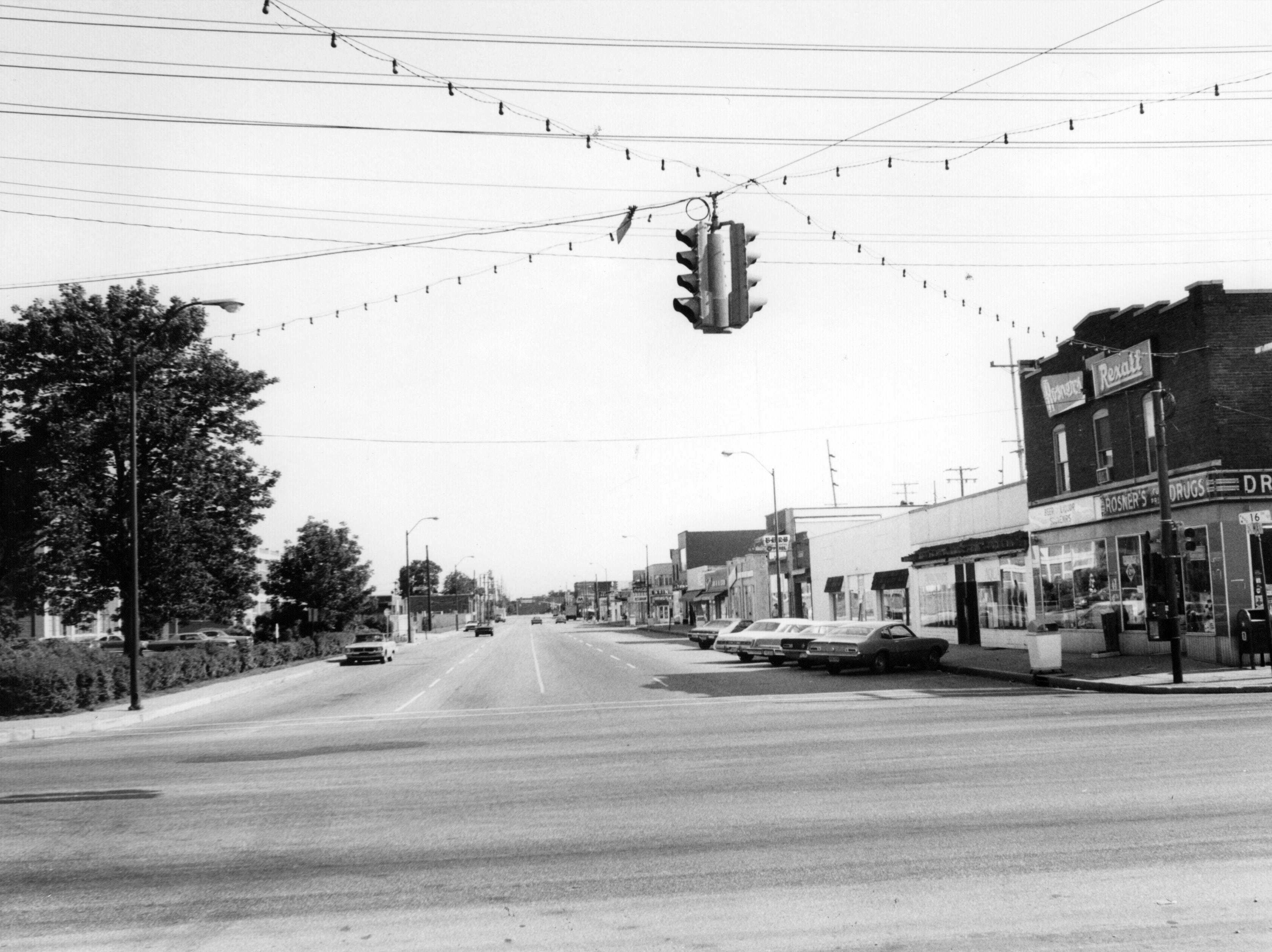 Main Street in Speedway looking south possibly in the '70s.
