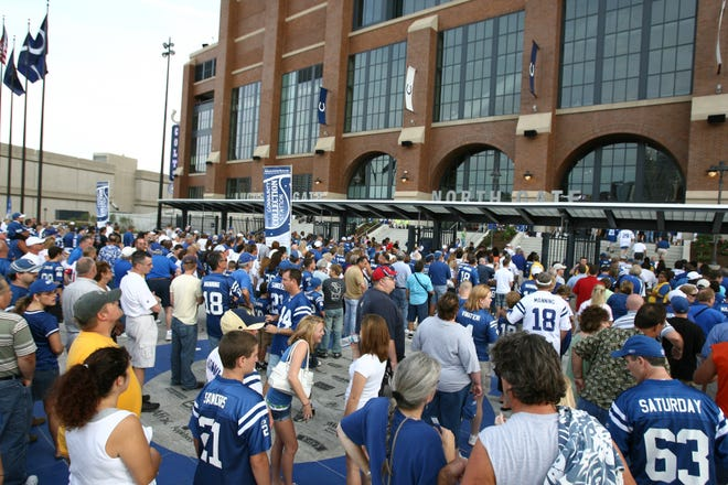 Fans began gathering hours before the game to check out the Colts' new home. (Robert Scheer/The Indianapolis Star)