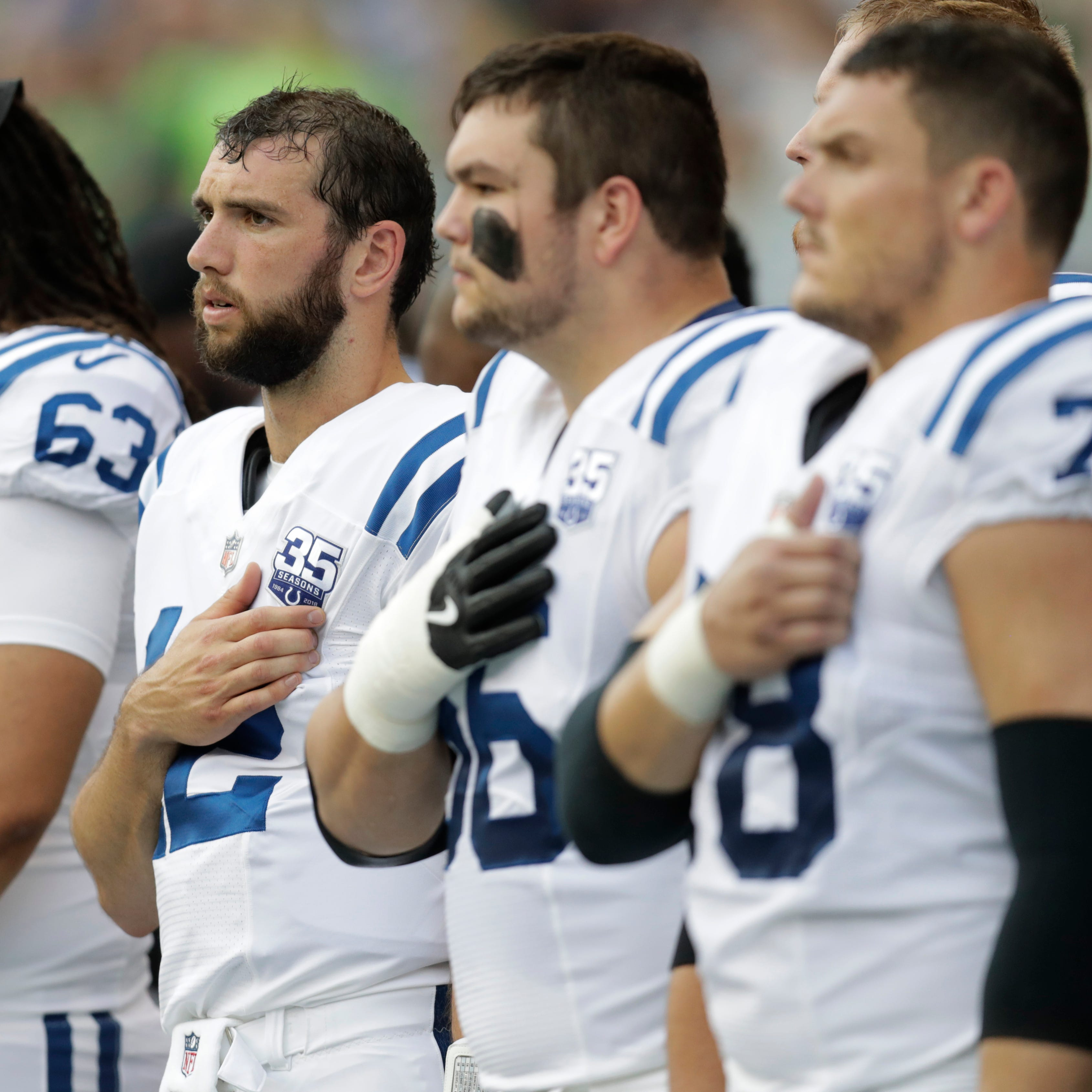 3 Seahawks players leave field during national anthem against Colts