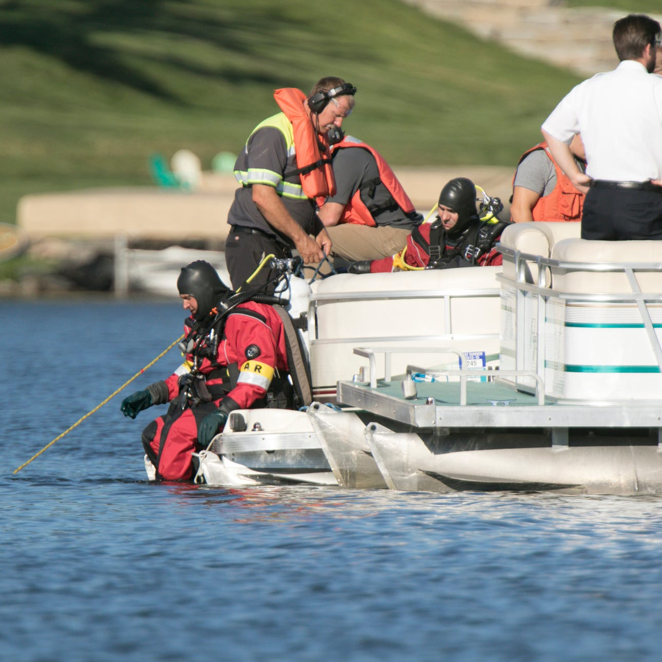 Livingston County dive team recovers body of woman who drowned in Lake Shannon