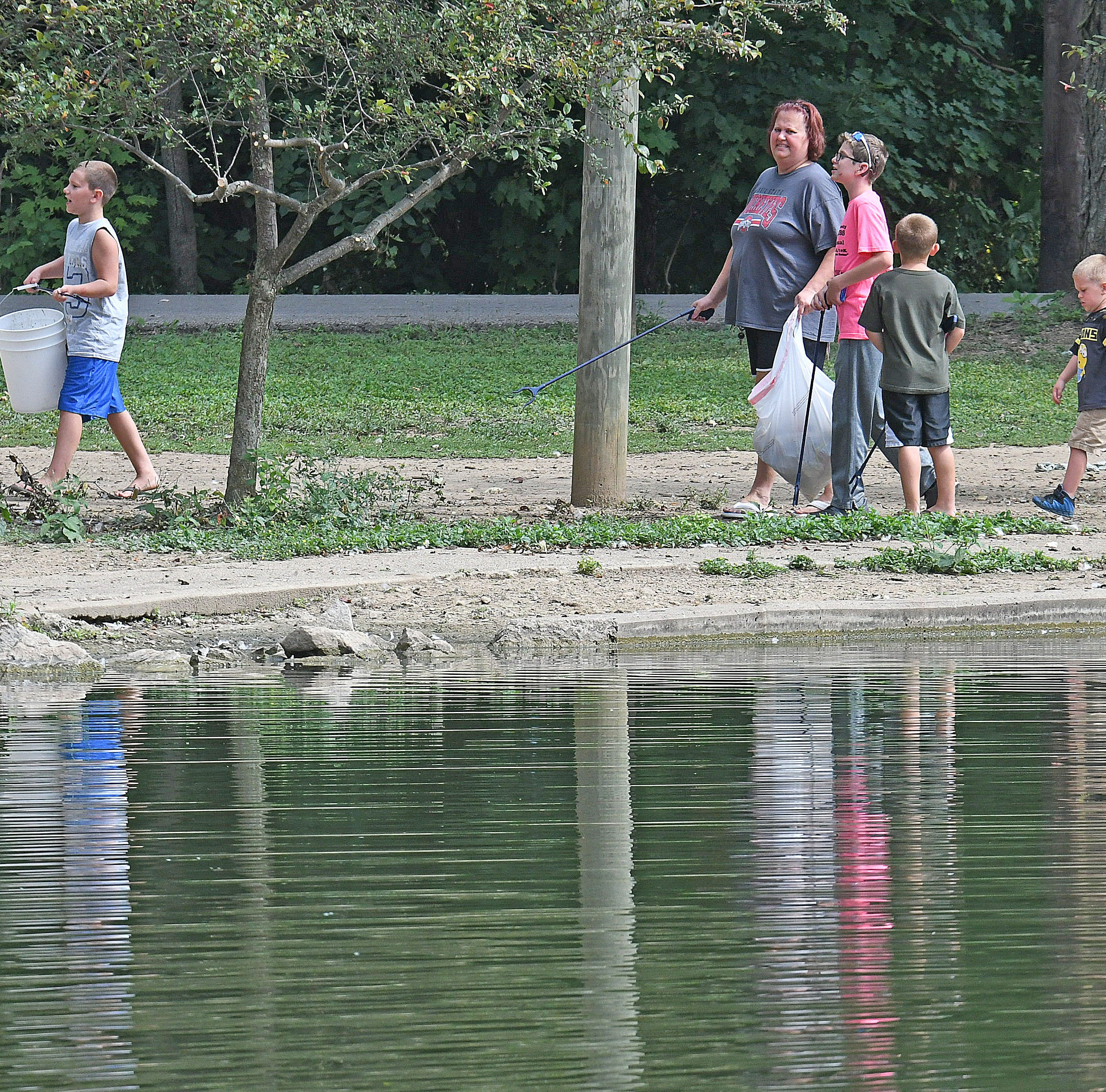 Kids tackle litter at Liberty, North Lake parks