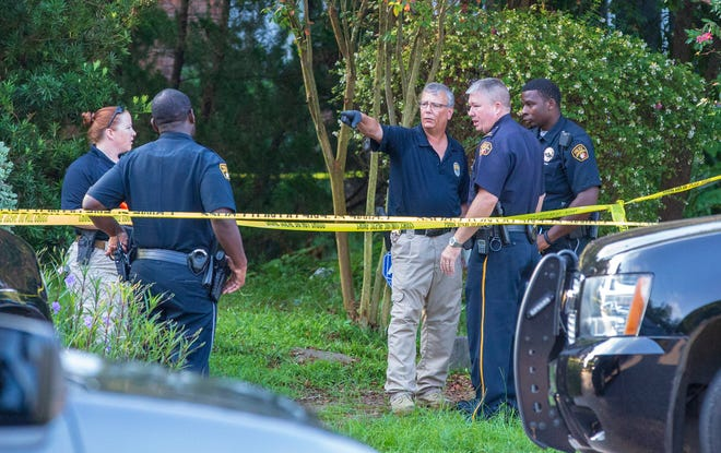 Montgomery police and fire rescue discovered a body on South Hull Street near the intersection with Earl Place before 7 a.m.