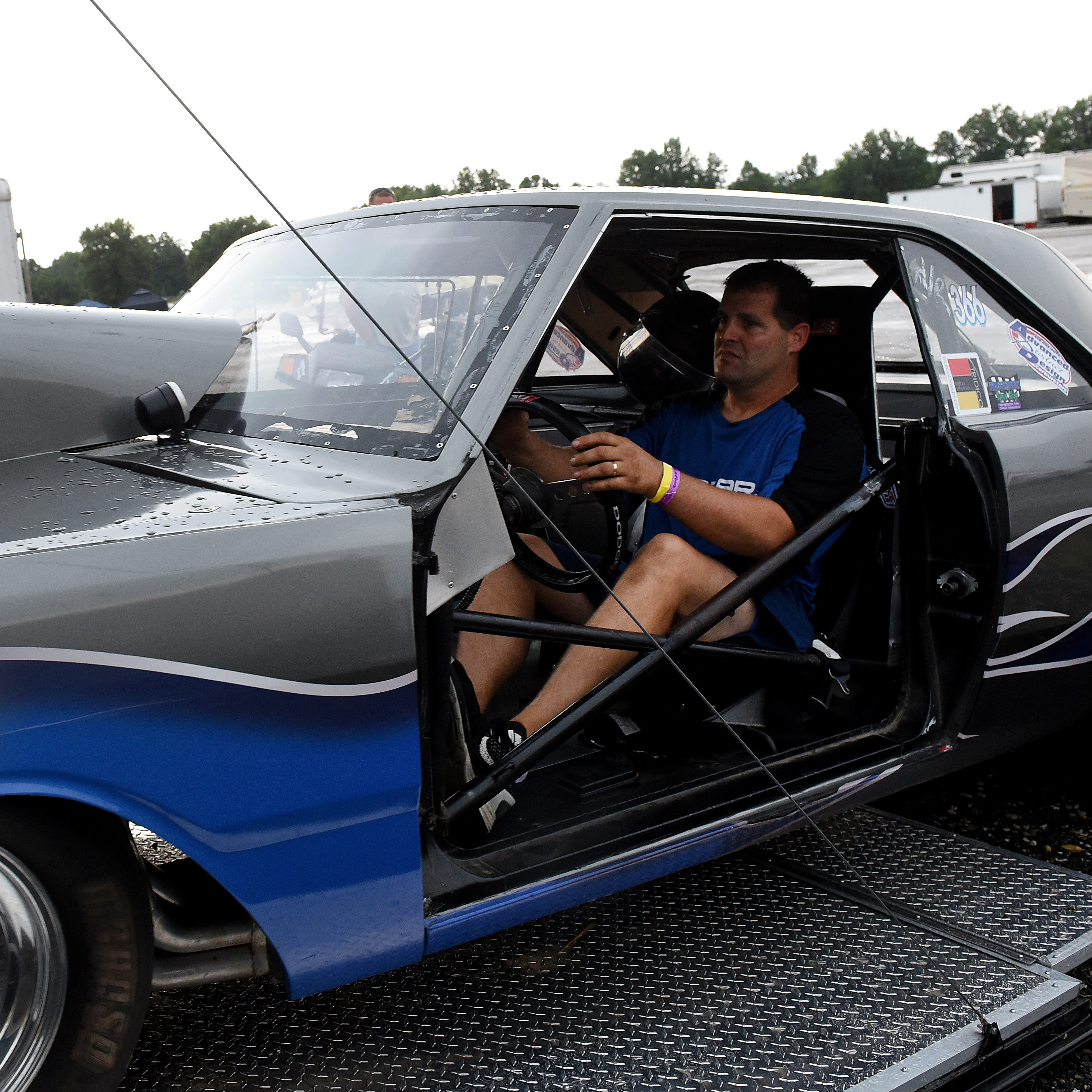 Mopar enthusiasts enjoy being part of action, walking down memory lane