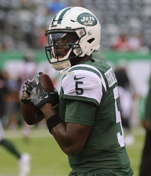 Jets quarterback Teddy Bridgewater loosens up before the preseason game against the Atlanta Falcons at MetLife Stadium in East Rutherford on Friday, Aug. 10, 2018