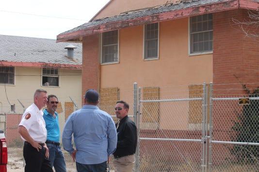 City officials discuss asbestos abatement at the Sahara Apartments
