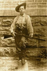 At 5-feet-2 and 110 pounds, Pearl Hart was petite and pretty, traits she often used to her advantage as a criminal and prisoner.