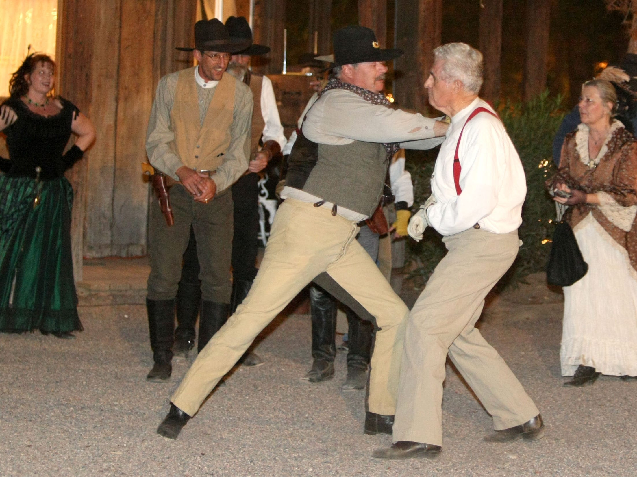 In earlier days, Bob Charnes (right) was involved in plenty of stunts. In 2009, he squares off with fellow Arizona Gunfighter Dan Blake at the Rockin R Ranch.