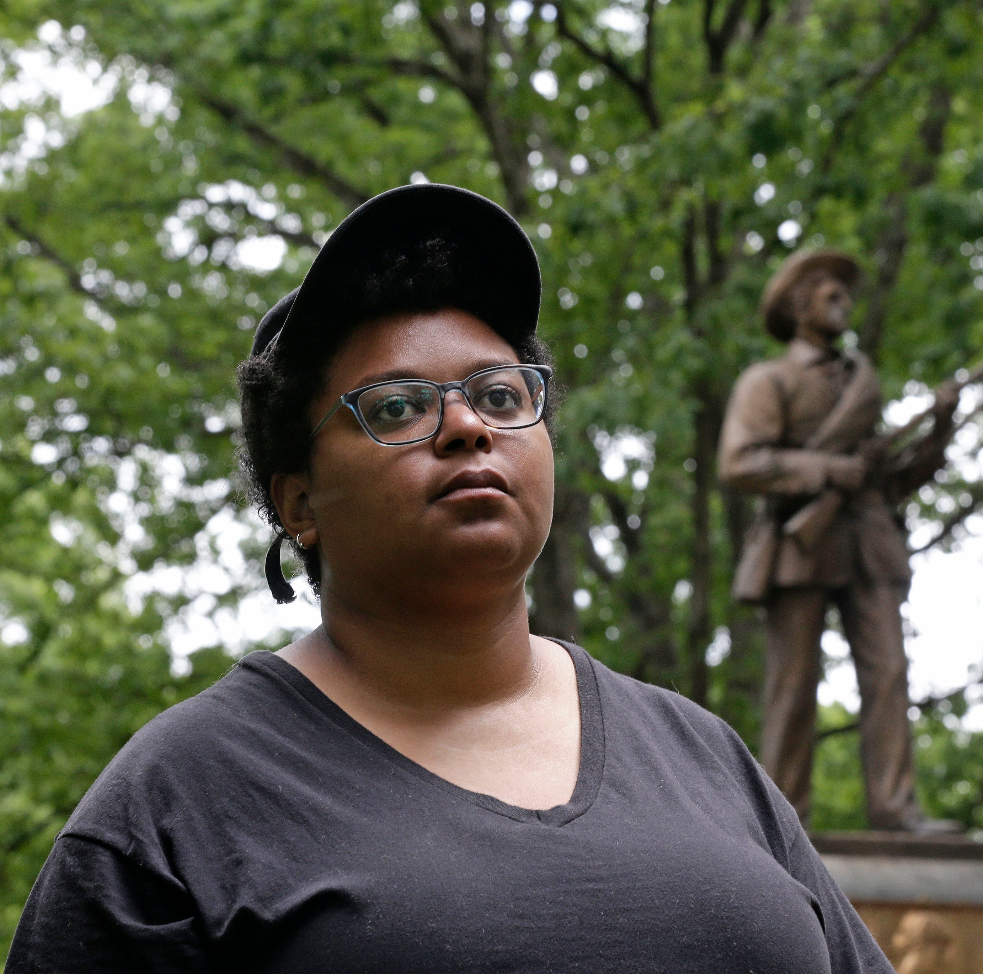 Women's group behind Confederate memorials quietly battles on