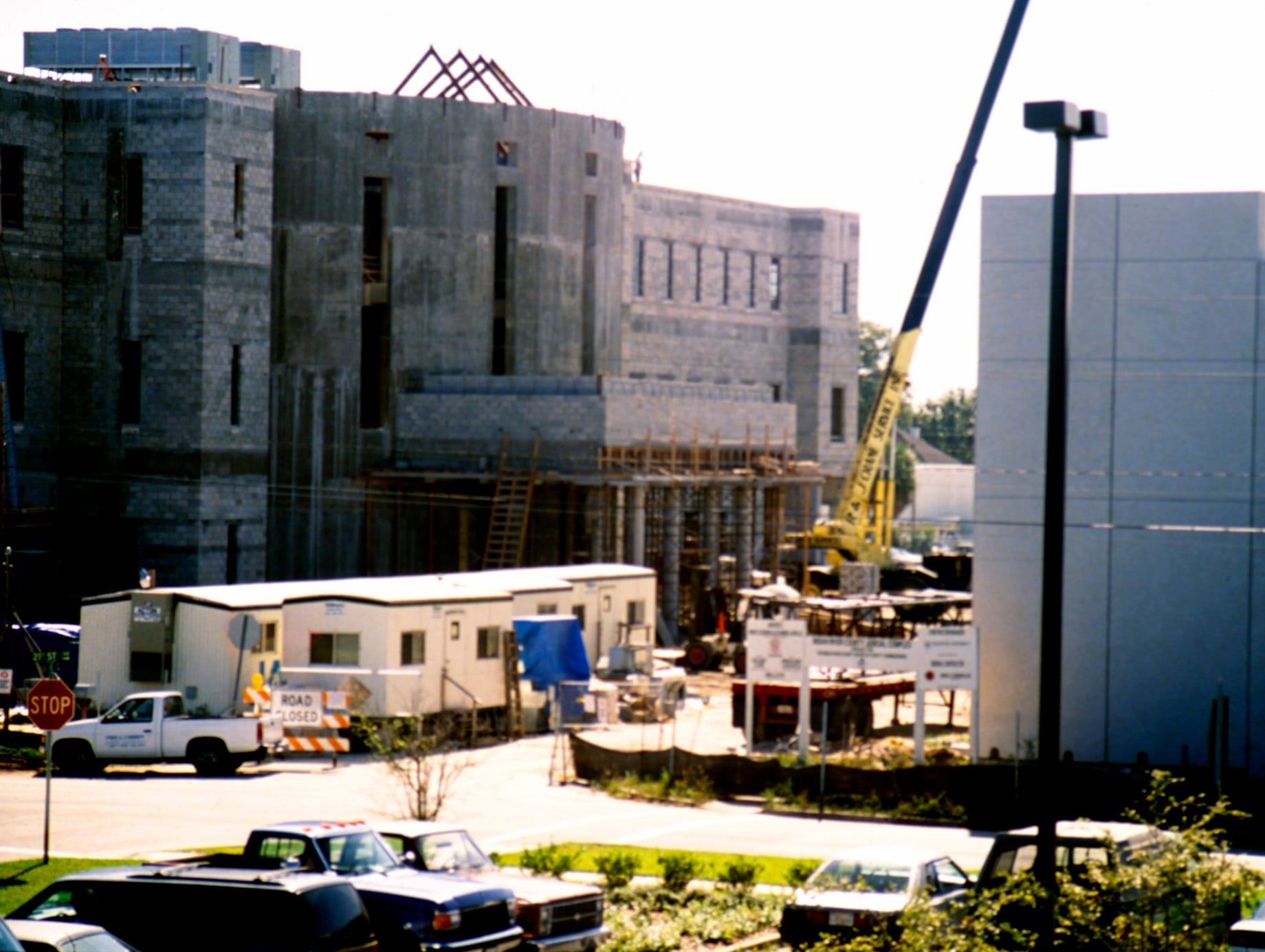 1993 - Construction began on the new $21 million courthouse and parking garage complex in downtown Vero Beach. The grand opening was scheduled for late 1994.