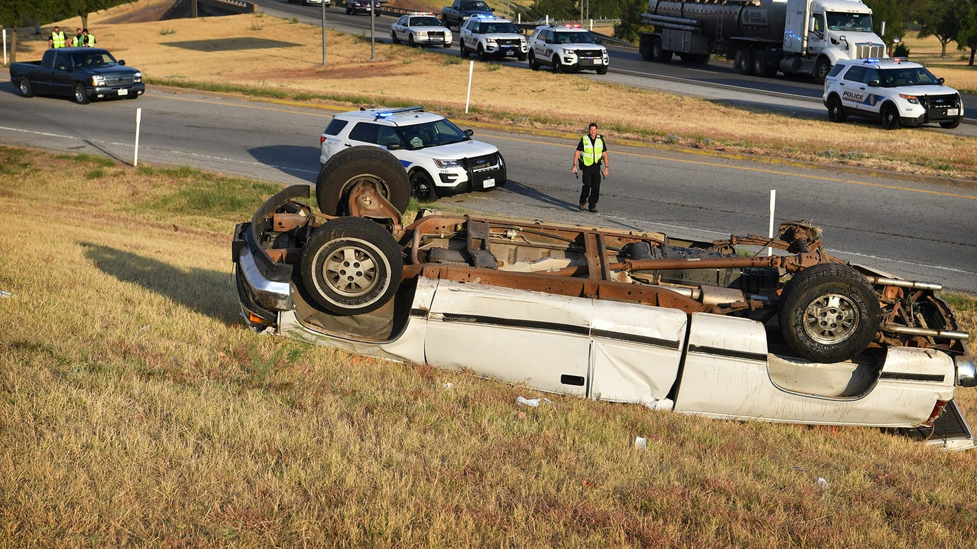 Man ejected from truck during rollover accident in Wichita Falls