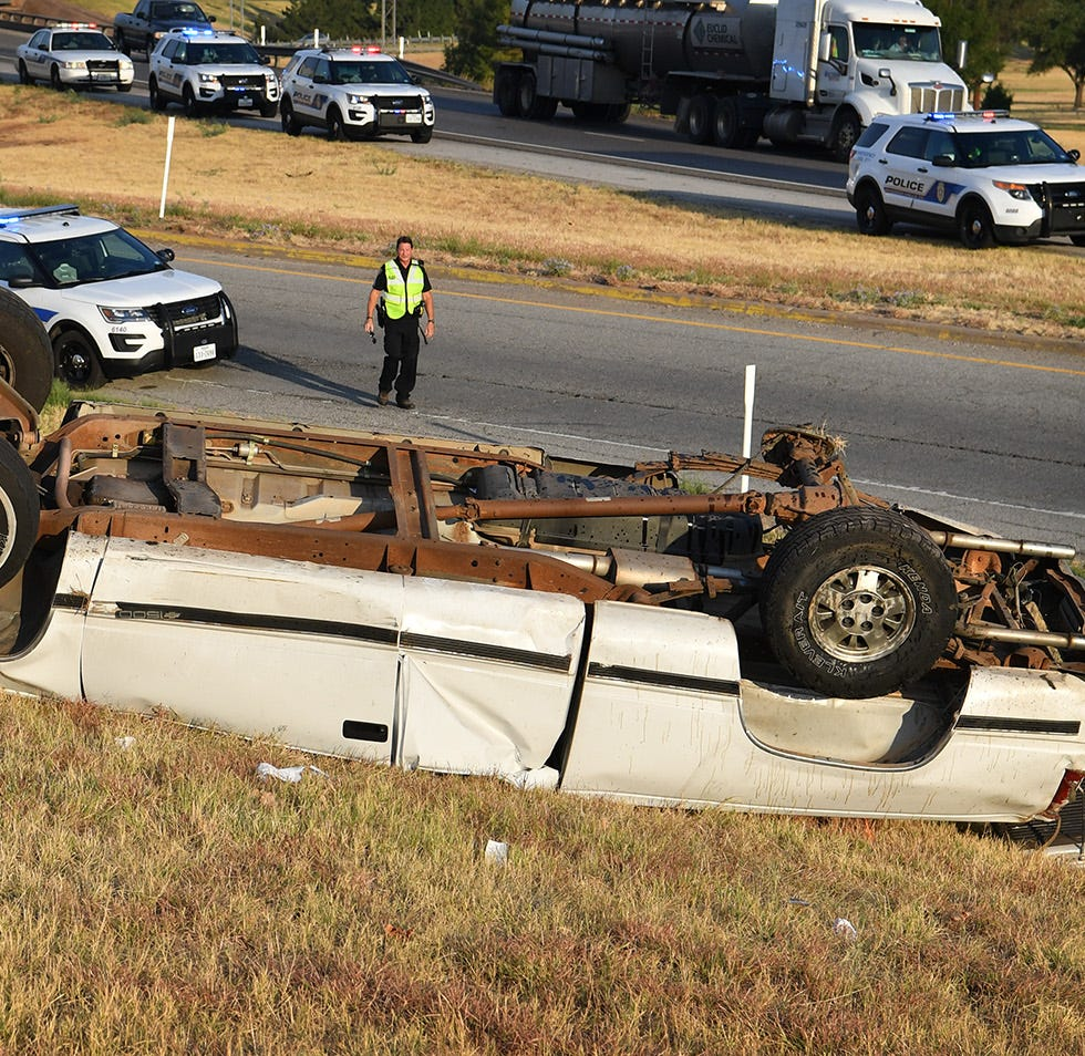 Man ejected from truck during morning rollover accident in Wichita Falls