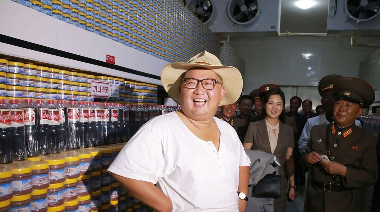 014097faa7da8 North Korea leader Kim Jong Un swaps Mao-style suit for summer clothes