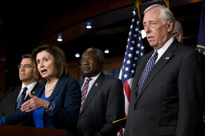 Rep. Xavier Becerra, House Minority Leader Nancy Pelosi, Rep. James Clyburn and House Minority Whip Steny Hoyer in Washington, D.C., on May 11, 2016.