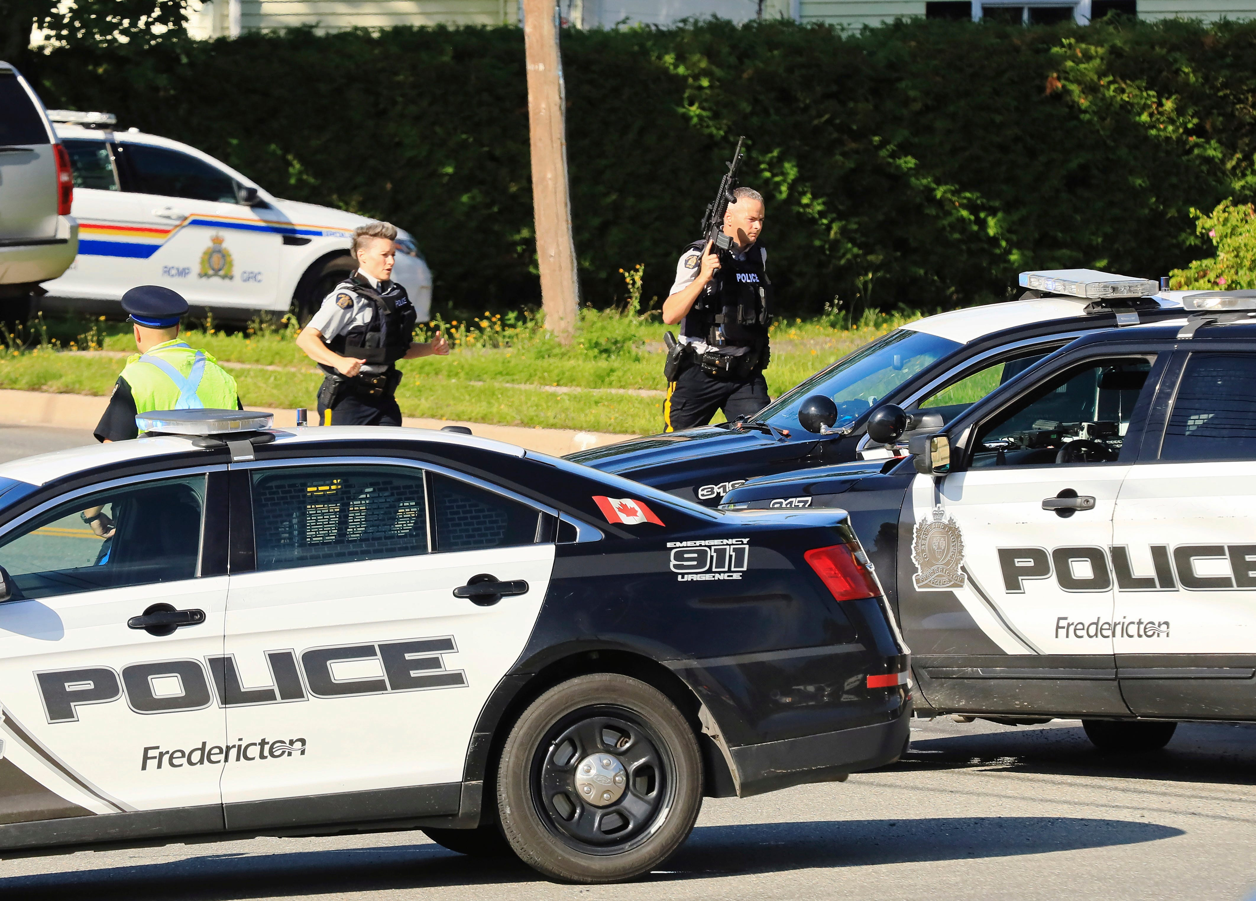 Canadian police: 2 of 4 killed in New Brunswick shooting are officers; suspect in custody