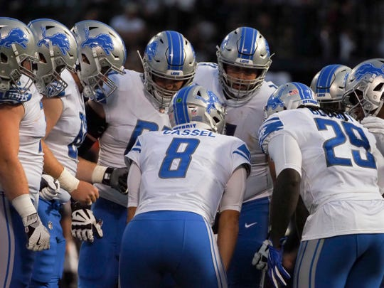 Detroit Lions quarterback Matt Cassel (8) huddles with the offense against the Oakland Raiders during the first quarter at Oakland Coliseum on Aug. 10, 2018.