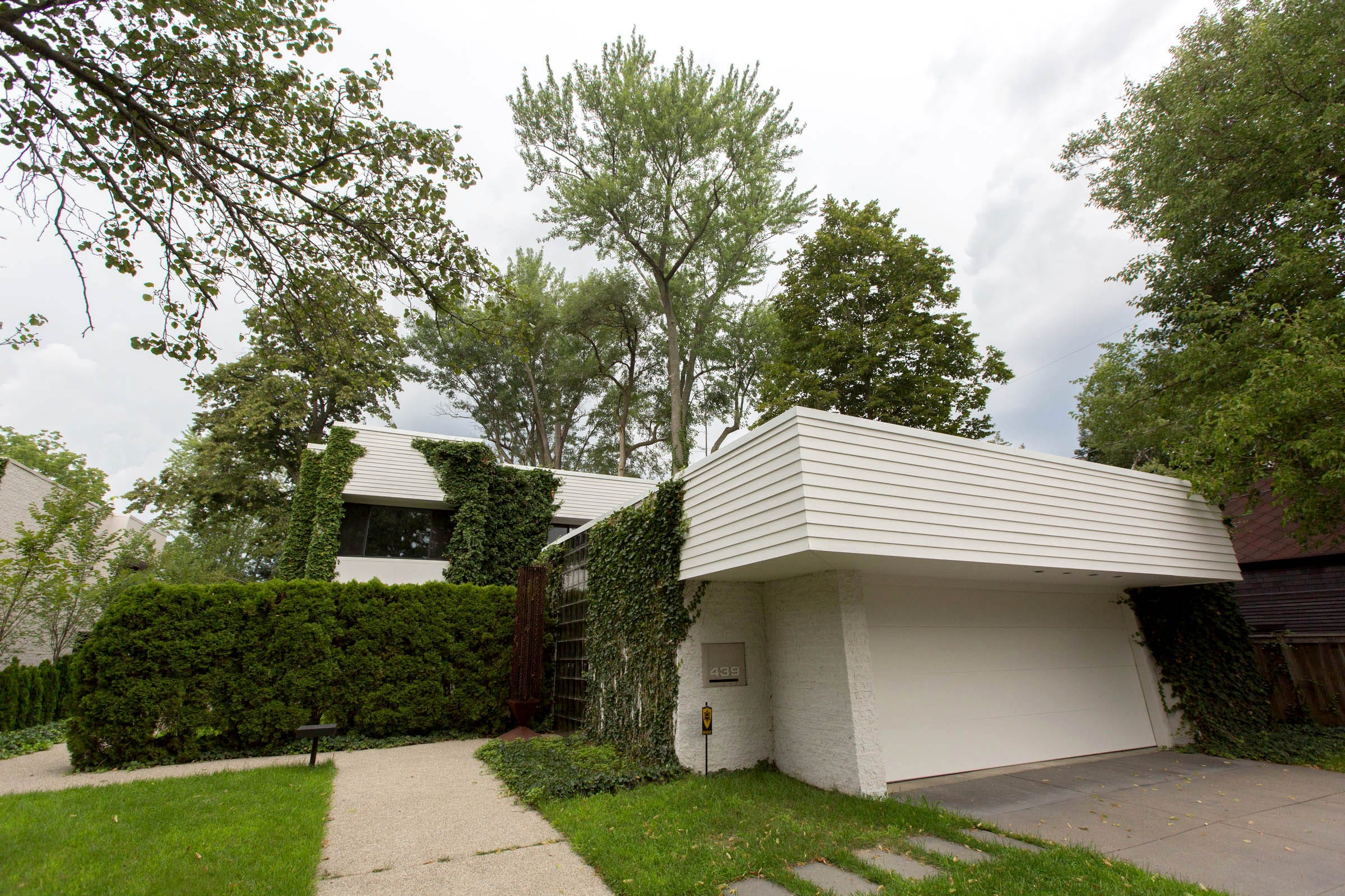The House Where Architect Irving Tobocman Lived His Final 20 Years Was  Tucked Into A City
