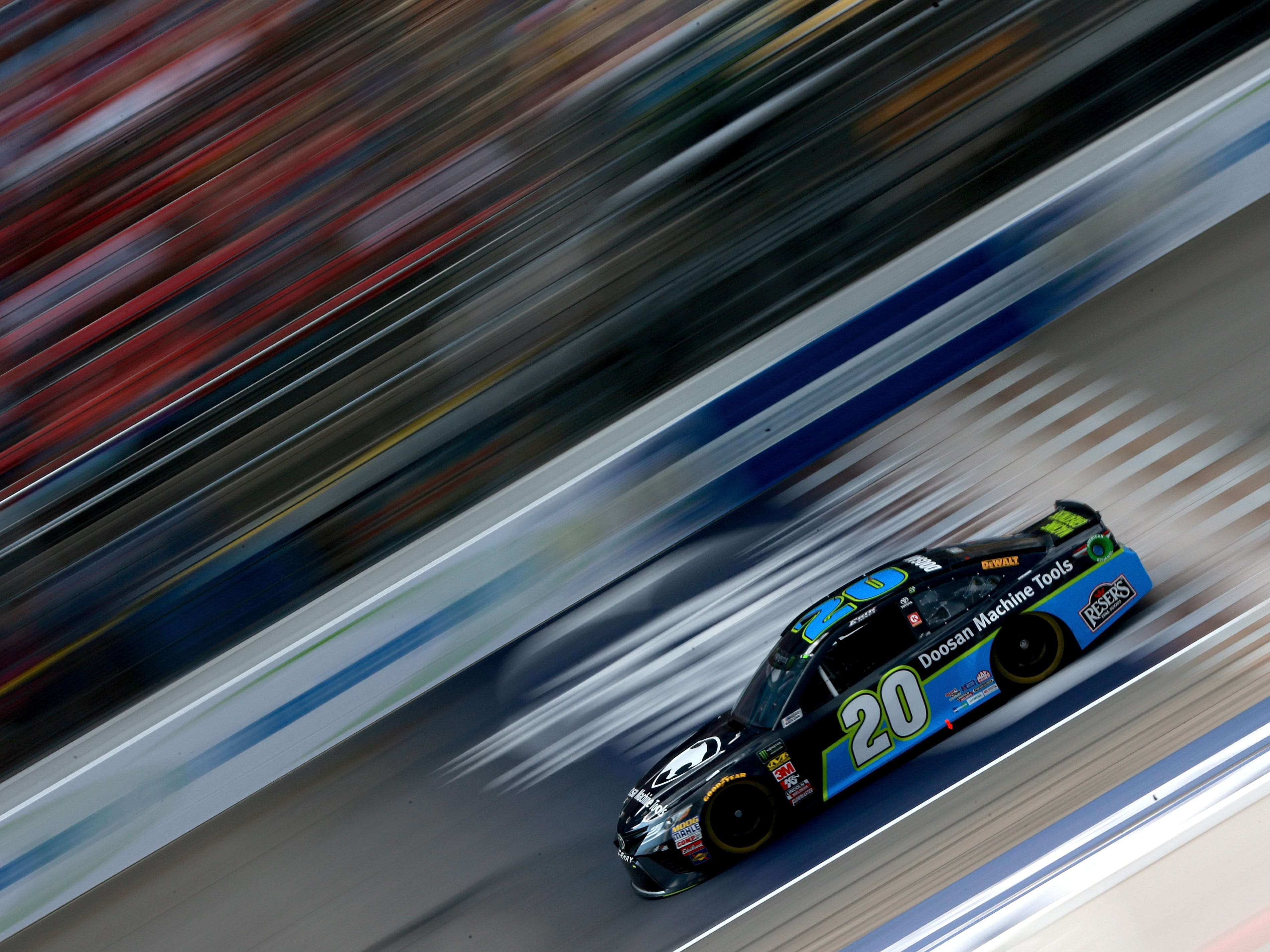 Monster Energy Nascar Cup Series Consmers Energy 400 Qualifying
