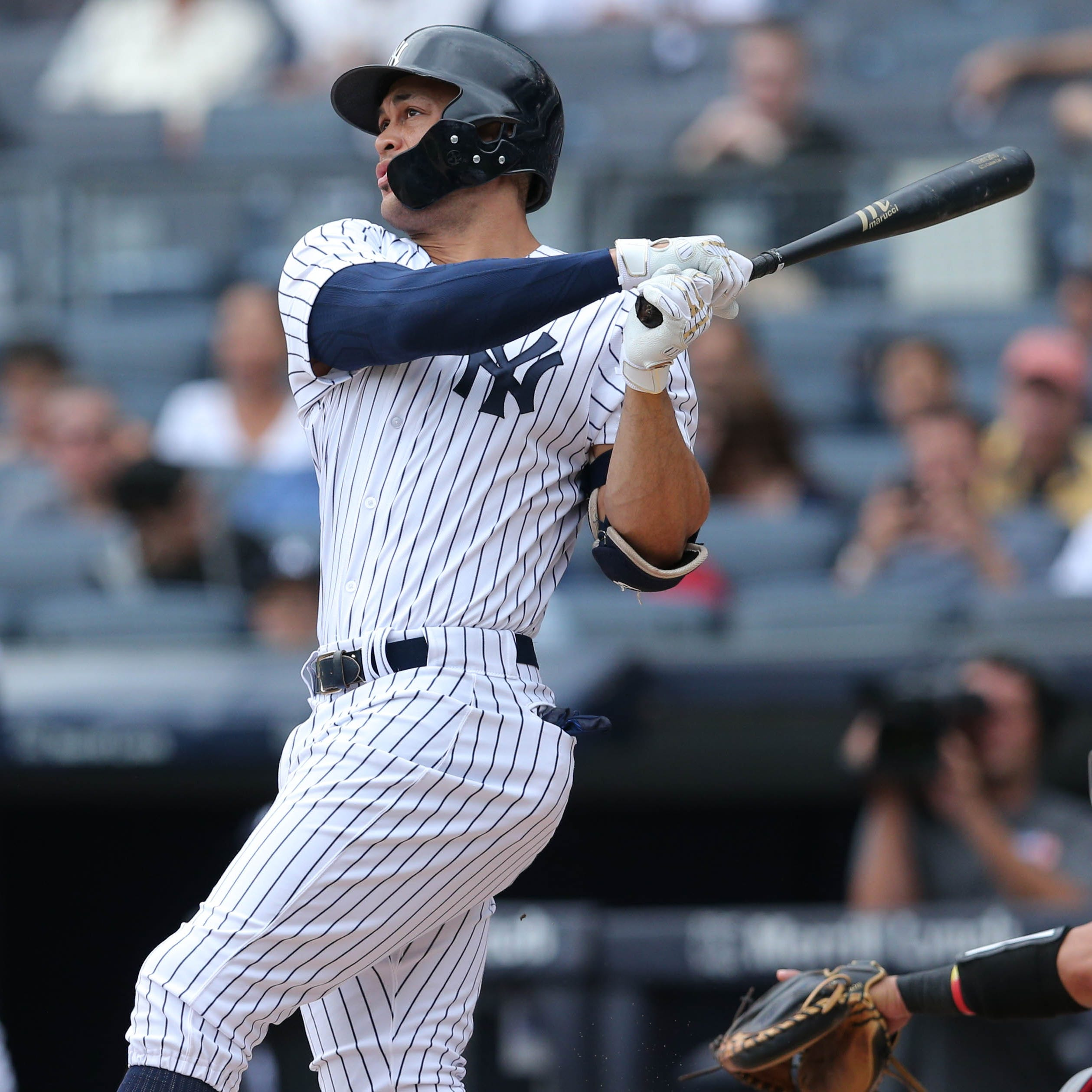 Giancarlo Stanton impacting NY Yankees' outfield while managing leg tightness
