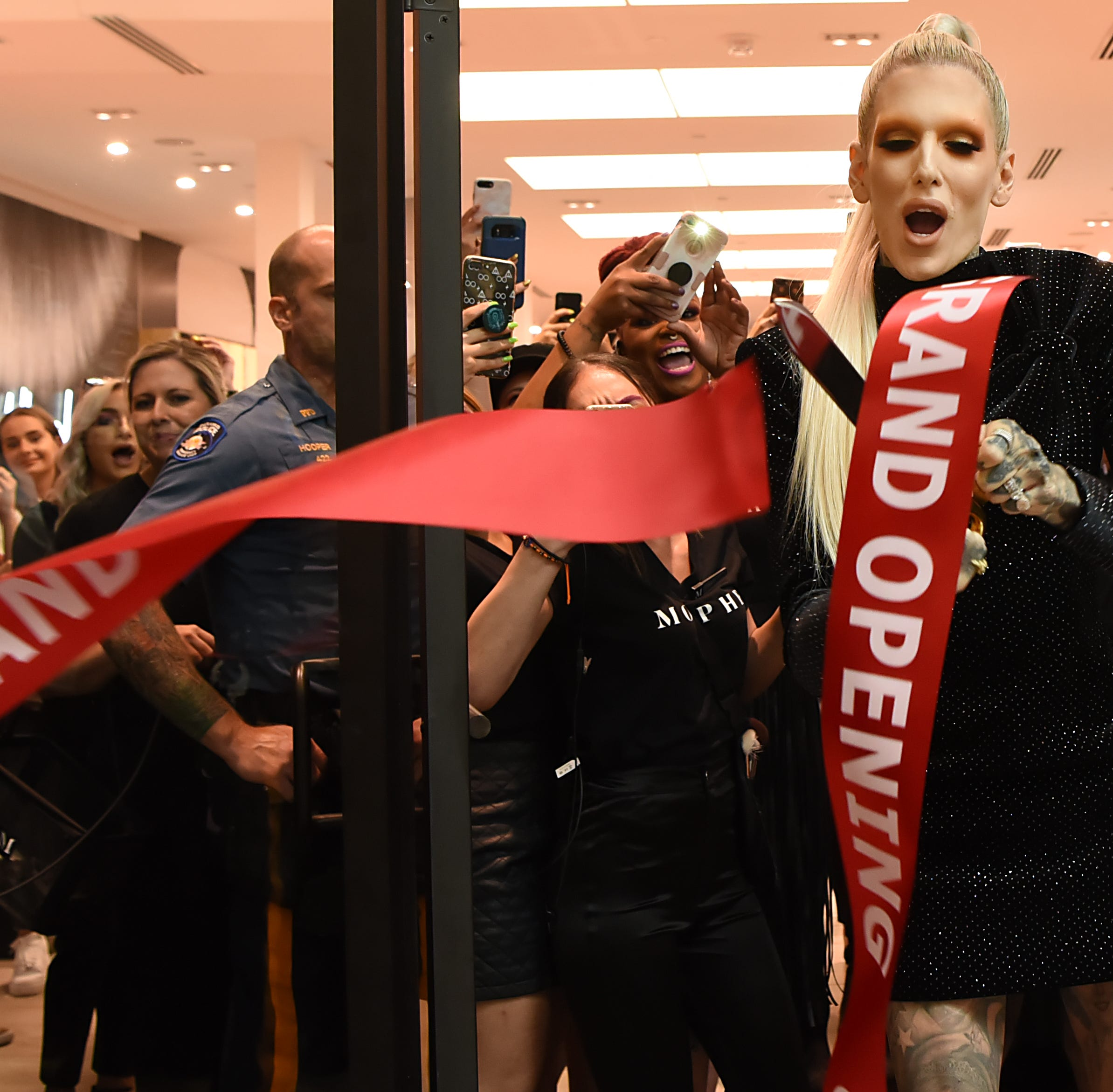 Jeffree Star draws thousands to Garden State Plaza for Morphe store opening