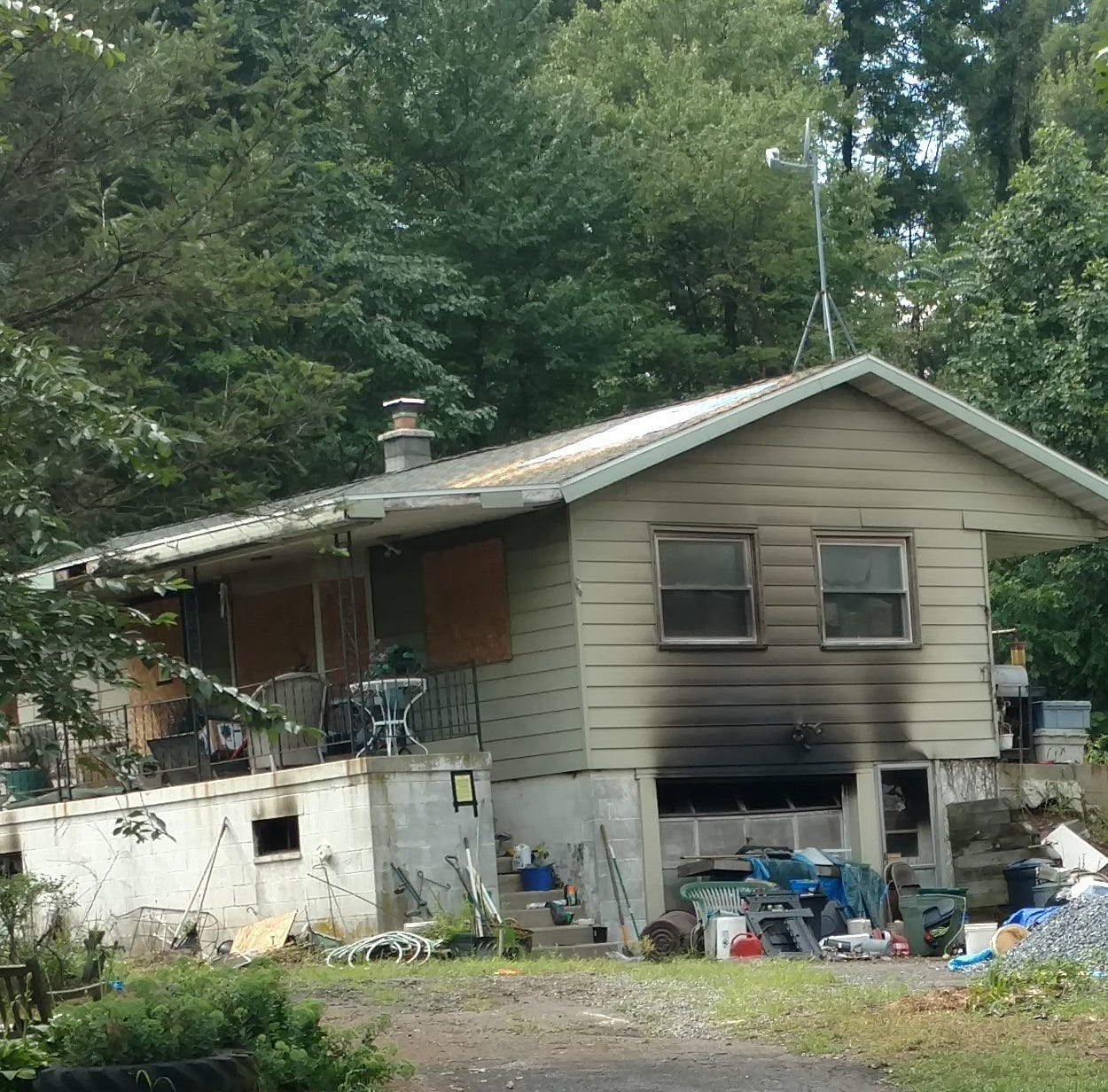 Fire in N. Lebanon kills two cats, destroys home
