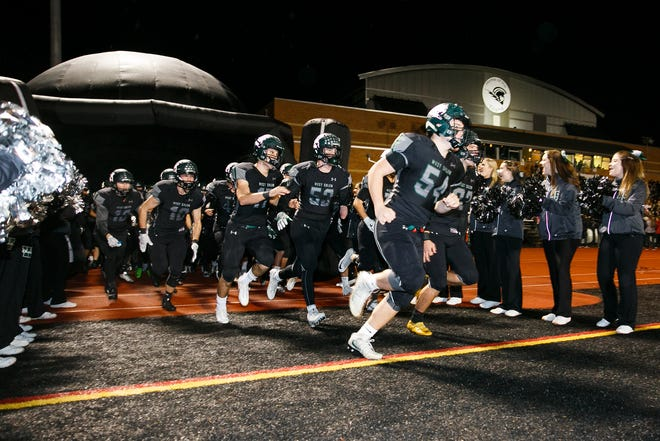 West Salem football takes to the field in an OSAA 6A quarterfinal game against South Medford on Friday, Nov. 17, 2017, at West Salem High School. West went on to lose the matchup 14-28.