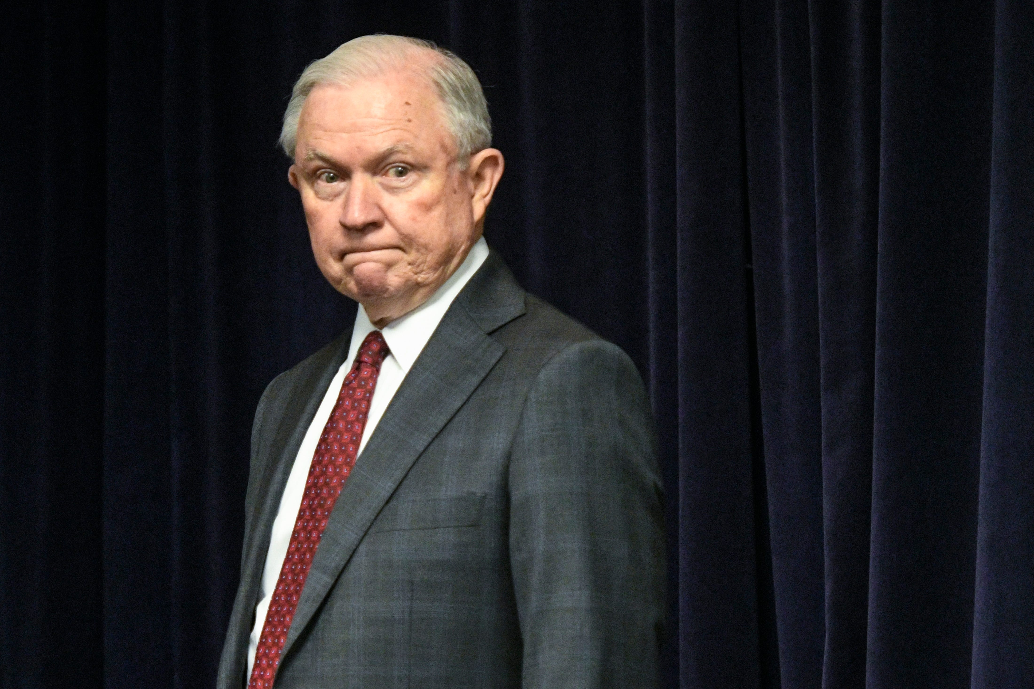 Houston restaurant owner apologizes after facing backlash over Jeff Sessions' photo