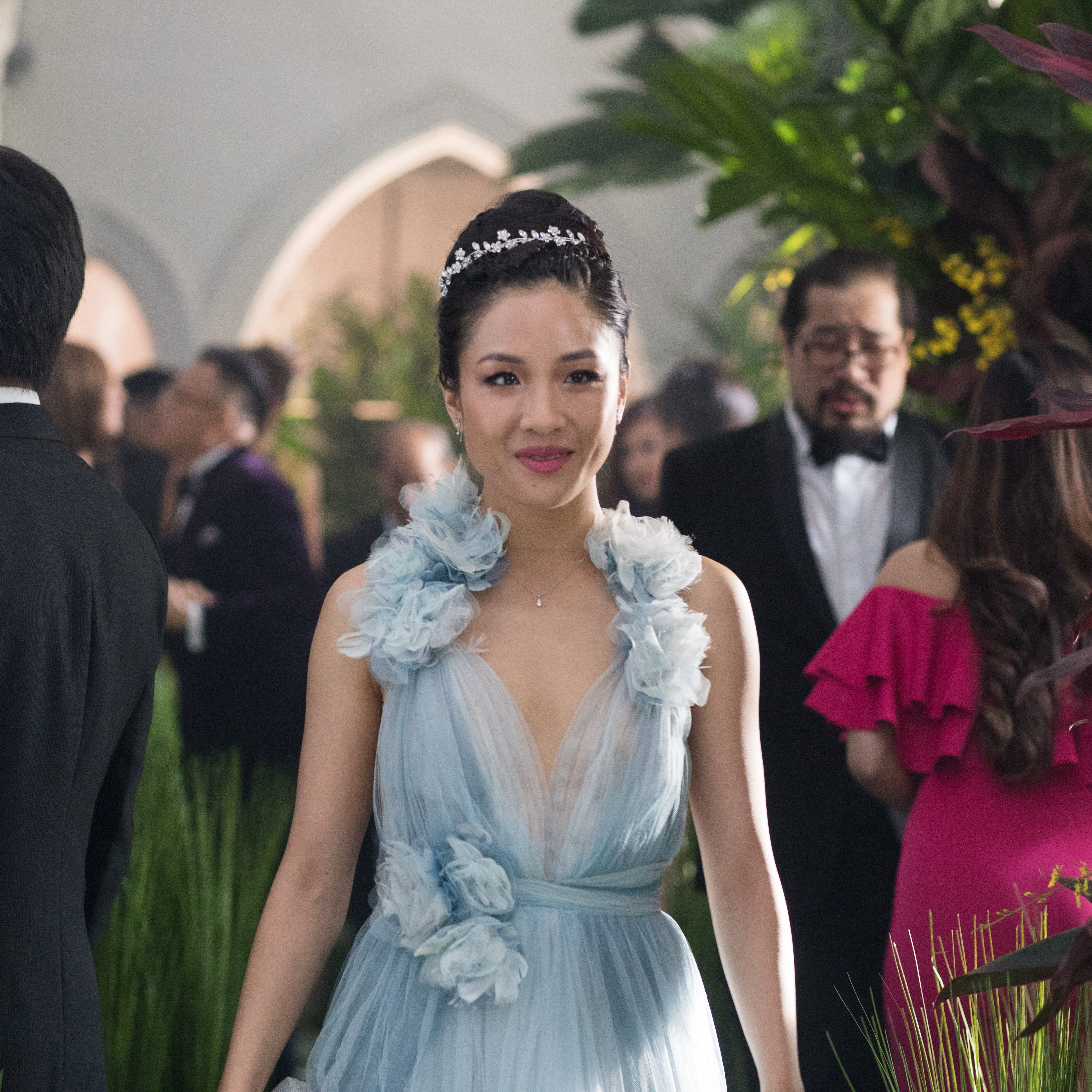 'Crazy Rich Asians' lives up to crazy high expectations with No. 1 debut