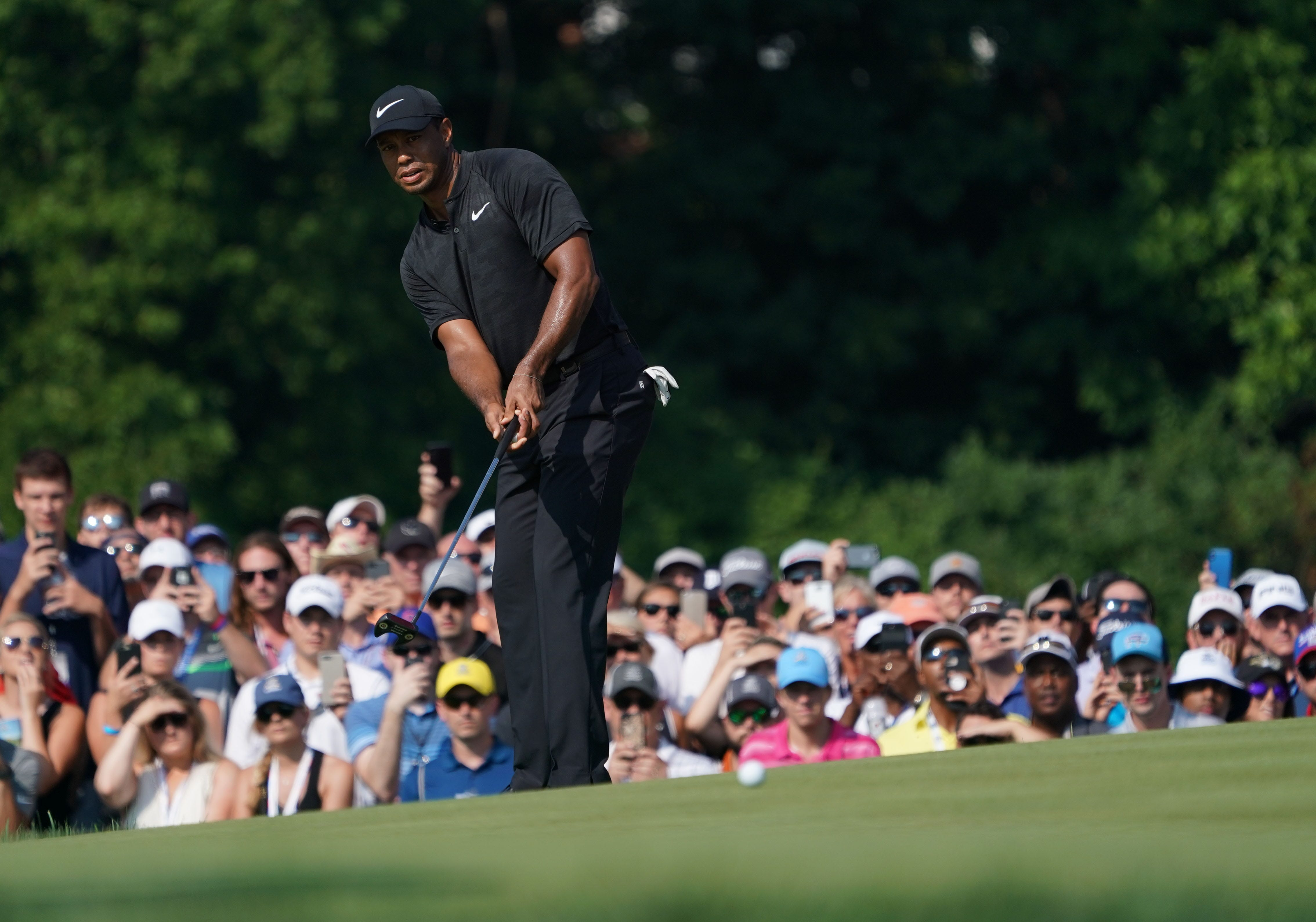pga championship  tiger woods in contention after another 66