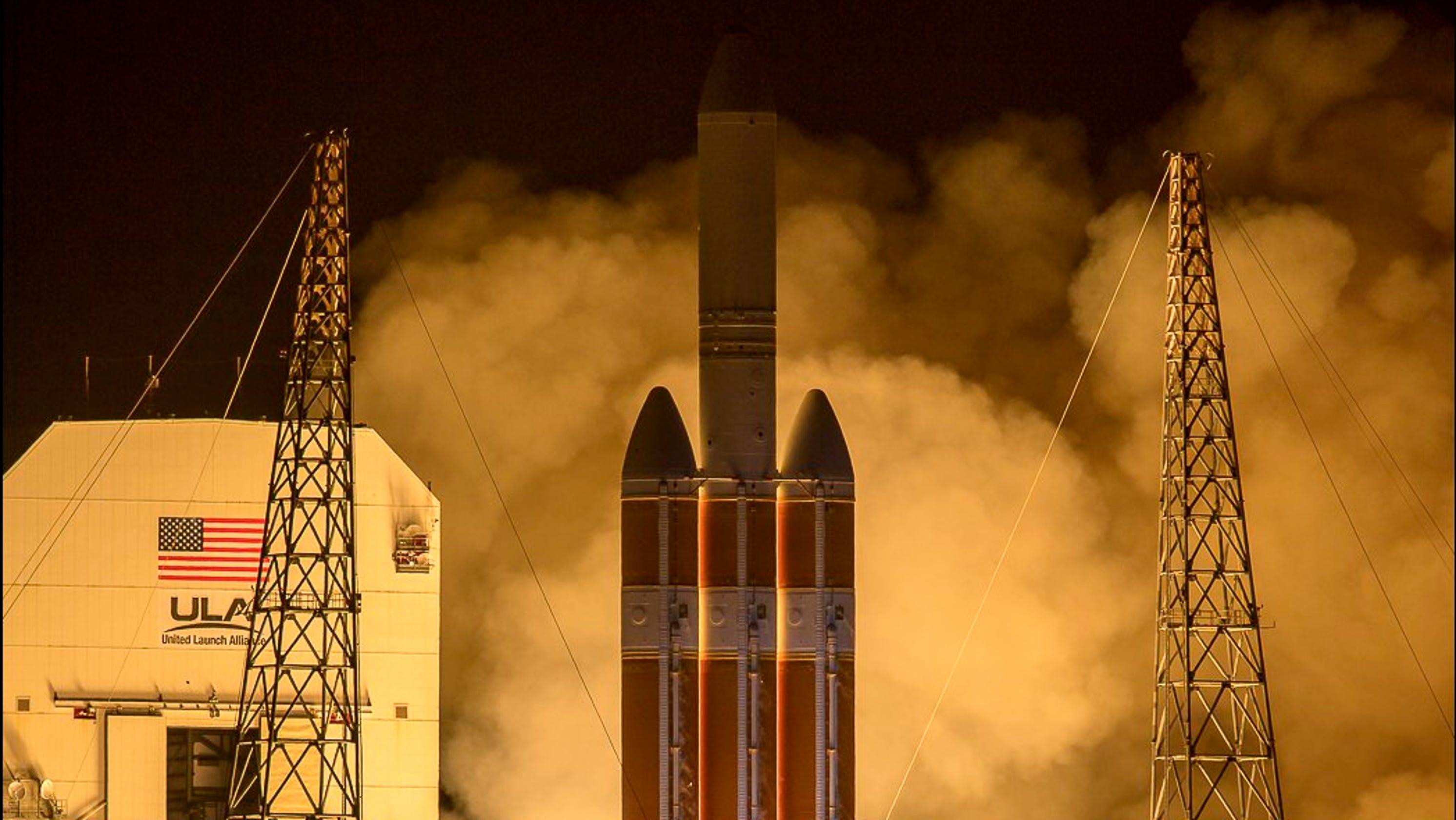 Delta IV Heavy Rocket Launches NASA's Parker Solar Probe
