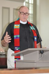 Rev. Ed Bacon addresses capacity crowd at the Lowndes County Courthouse Saturday. Alvin Benn/Special to the Advertiser