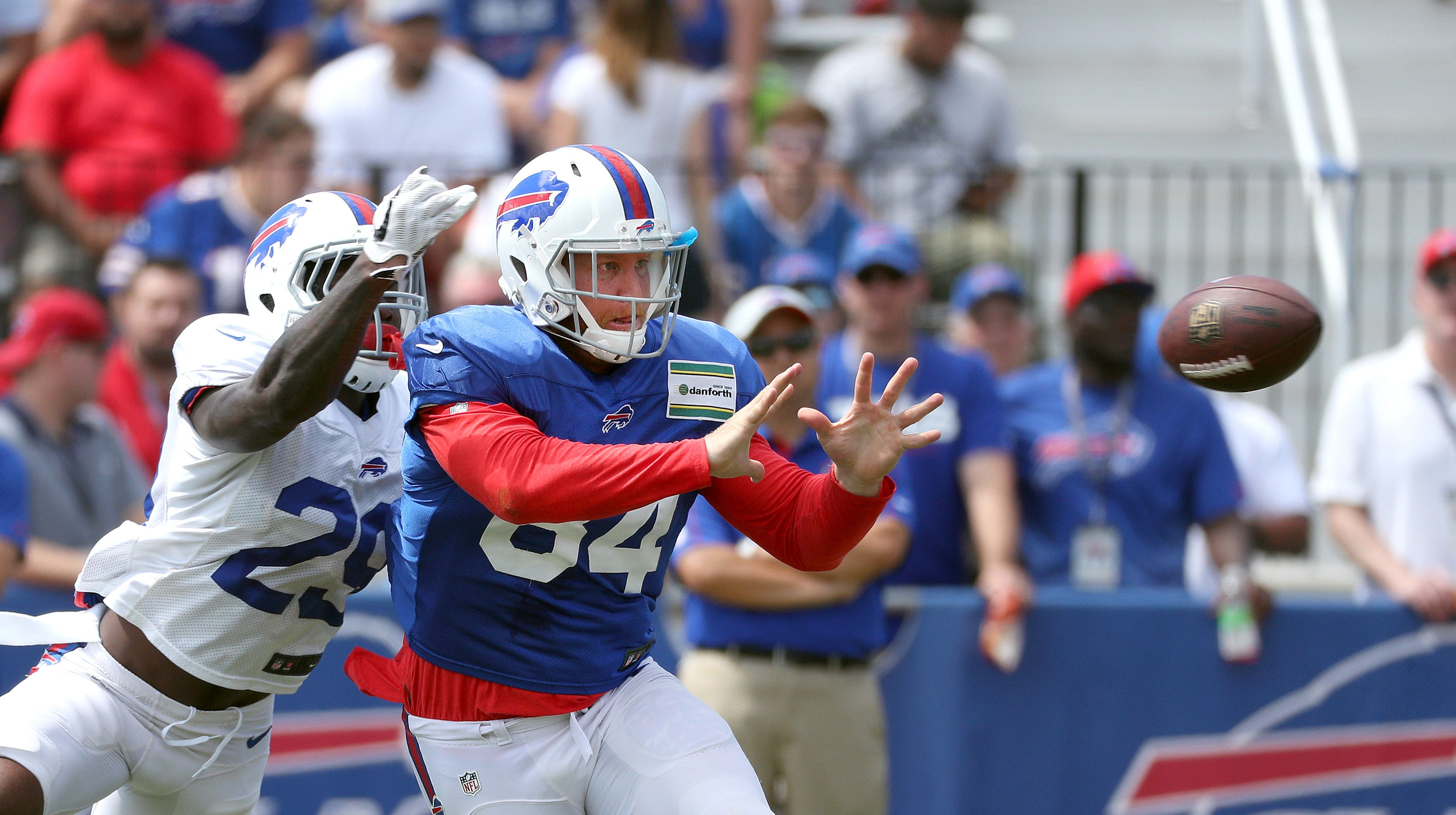 Wide-open battle to determine backup roles for Bills at tight end
