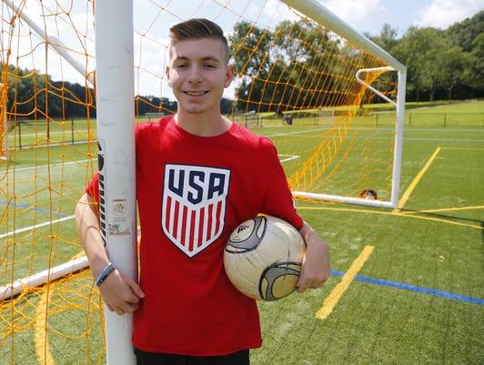 Asb 0812 Marlboro Paralympic Soccer Player