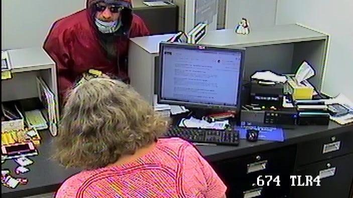 Kalamazoo man sought in Battle Creek bank robbery