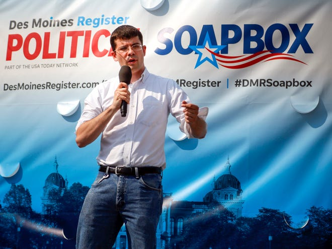 Jake Porter, Libertarian candidate for Governor, speaks during the Political Soapbox, Aug. 13, 2018.