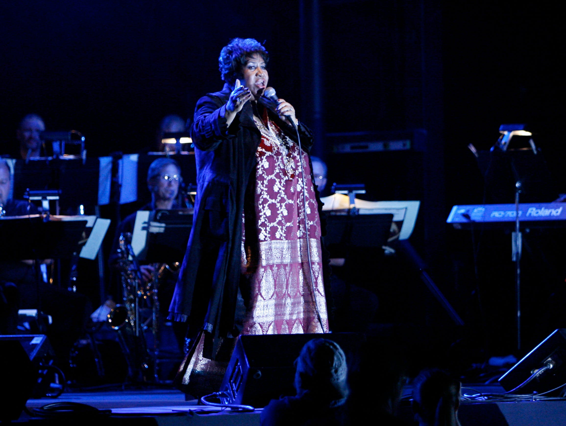"Aretha Franklin performed at Hoosier Park Racing and Casino in Anderson Saturday 9/20/08. ""Franklin's brassy and undiminished voice elevated it to show-stopping status."""