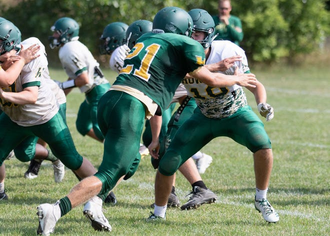 Seth Ramonaitis (21) had 56 tackles for Howell last season, ranking first among returning linebackers in Livingston County.