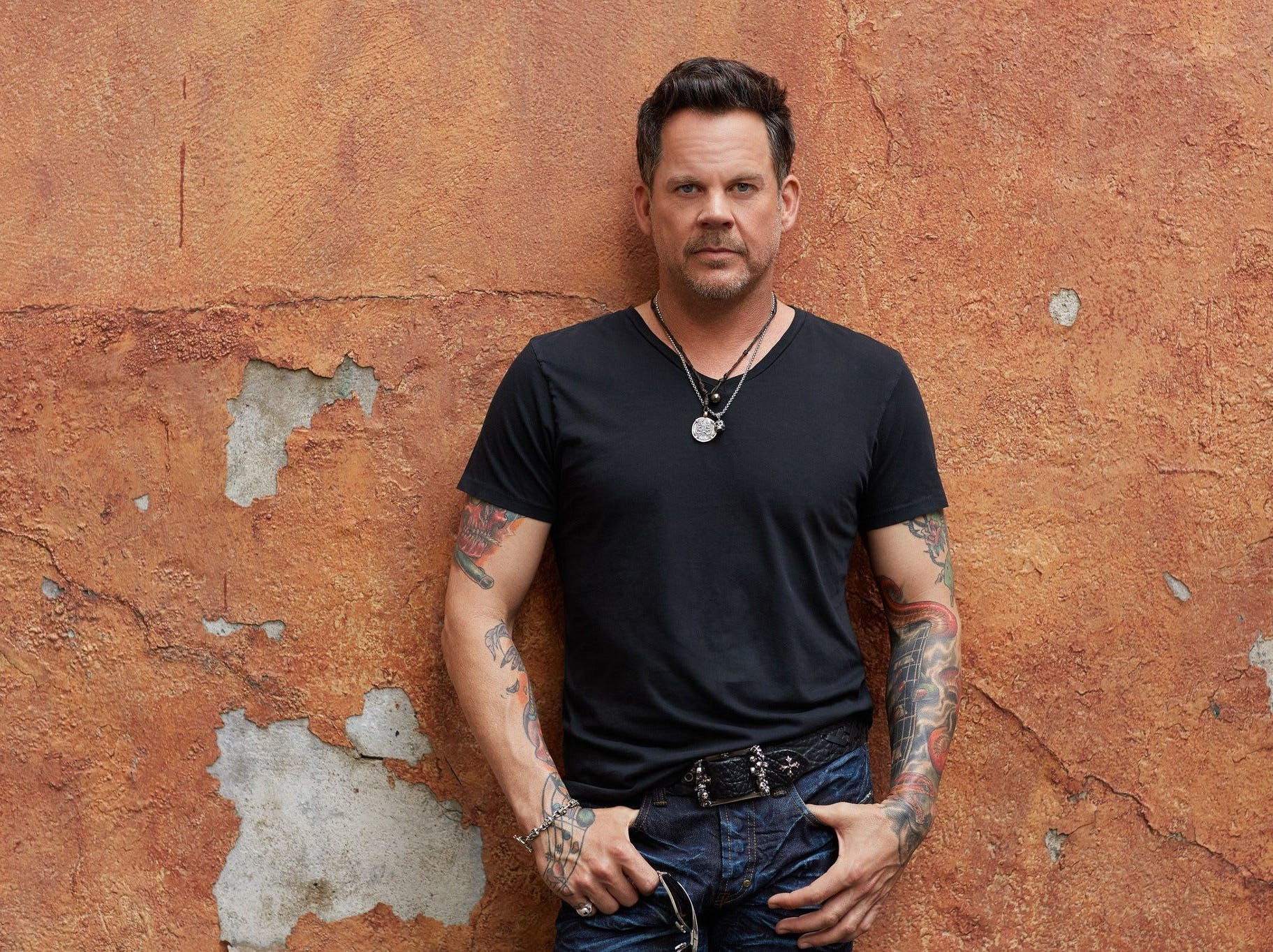 Country music singer Gary Allan is slated to play the Horseshoe Southern Indiana on Friday.  Released by VIP Sports Getaway Country music singer Gary Allan is slated to play the Concho Valley Spring Jam, scheduled for May 5, 2018.