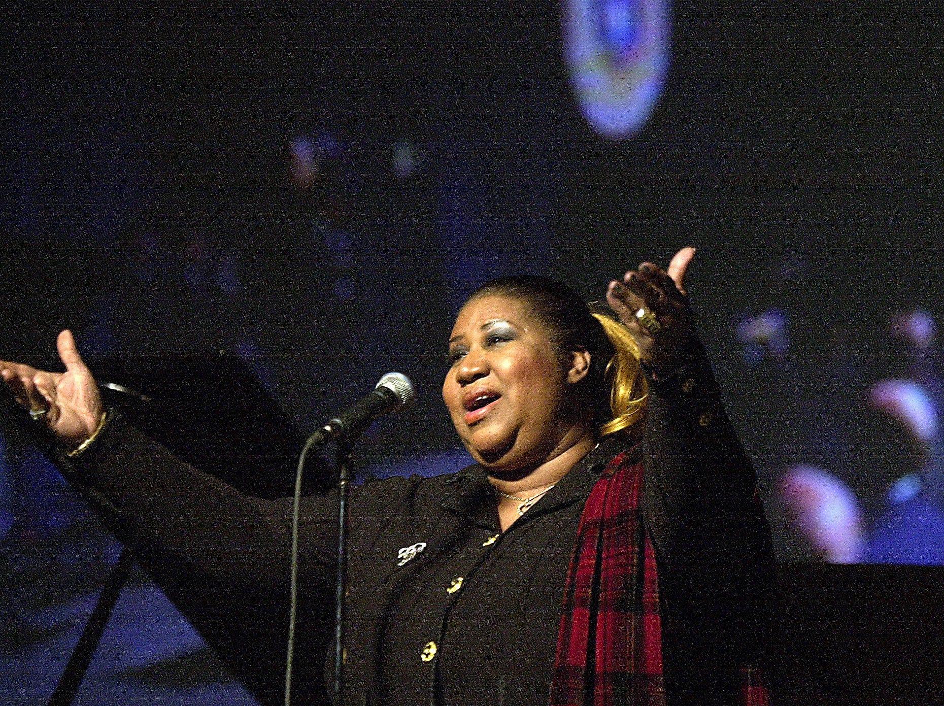 Aretha Franklin sings at Gov.Jennifer Granholm's Inaugural Festivities in the Lansing Center, Jan. 1, 2003.