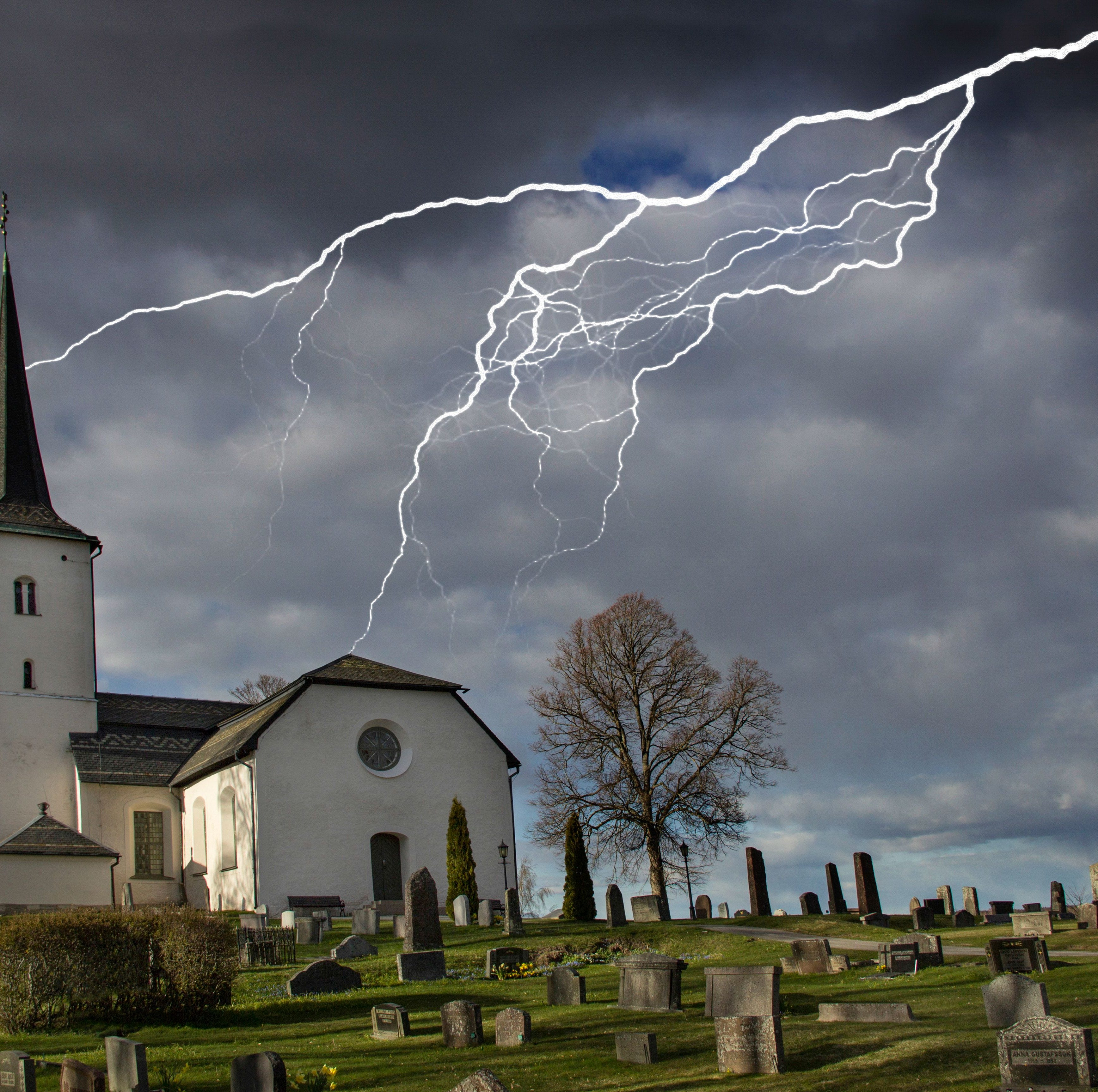 Shocking: Alabama pastor struck by lightning says 'Lord had his hand on me'