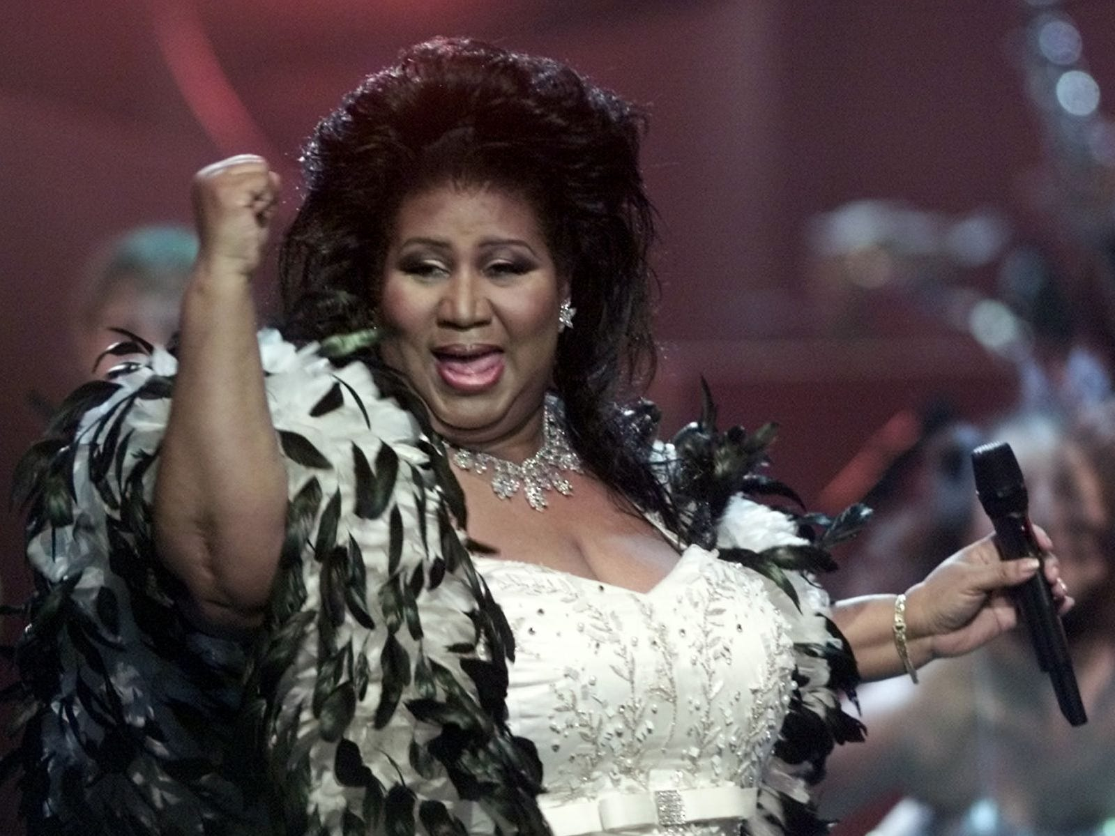 "Aretha Franklin the ""Queen of Soul,"" performs during the ""VH1 Divas 2001: The One and Only Aretha Franklin"" tribute Tuesday, April 10, 2001, in New York. The special tribute will also feature Mary J. Blige, Jill Scott, Cella Cruz, Marc Anthony and Kid Rock."