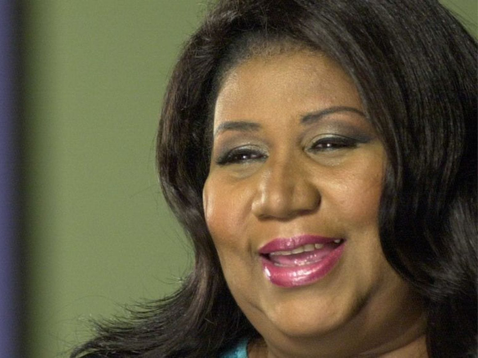 "Singer Aretha Franklin is shown in Detroit, Mich., March 17, 2001, in this photo provided by VH1. Franklin and her music will be feted by the likes of Janet Jackson, Mary J. Blige and Jill Scott on VH1's """"Divas"""" show, in a concert which will air live from New York's Radio City Music Hall scheduled for April 10."