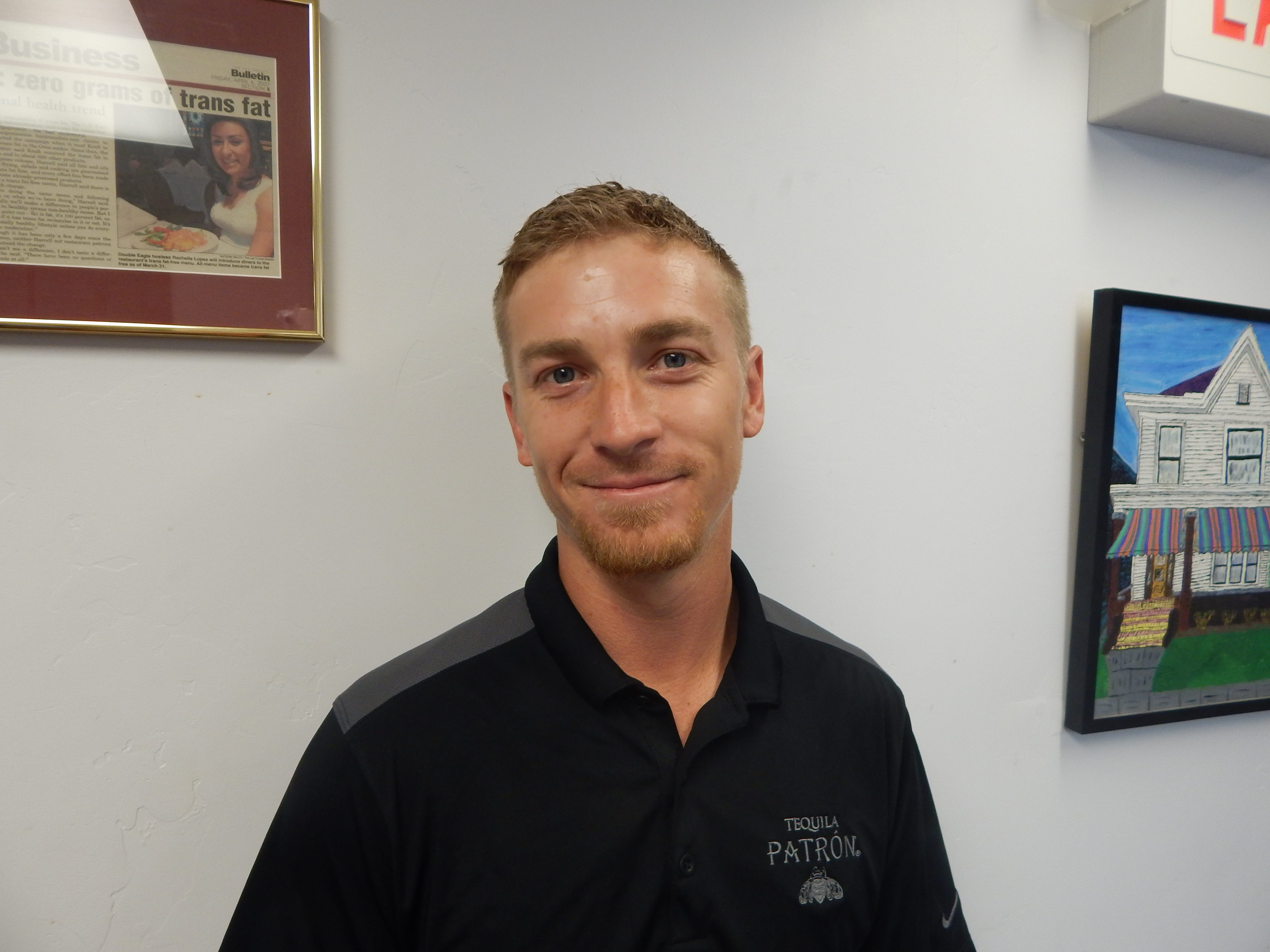 Justin Walkey named star employee by Double Eagle Restaurant | Las Cruces Sun