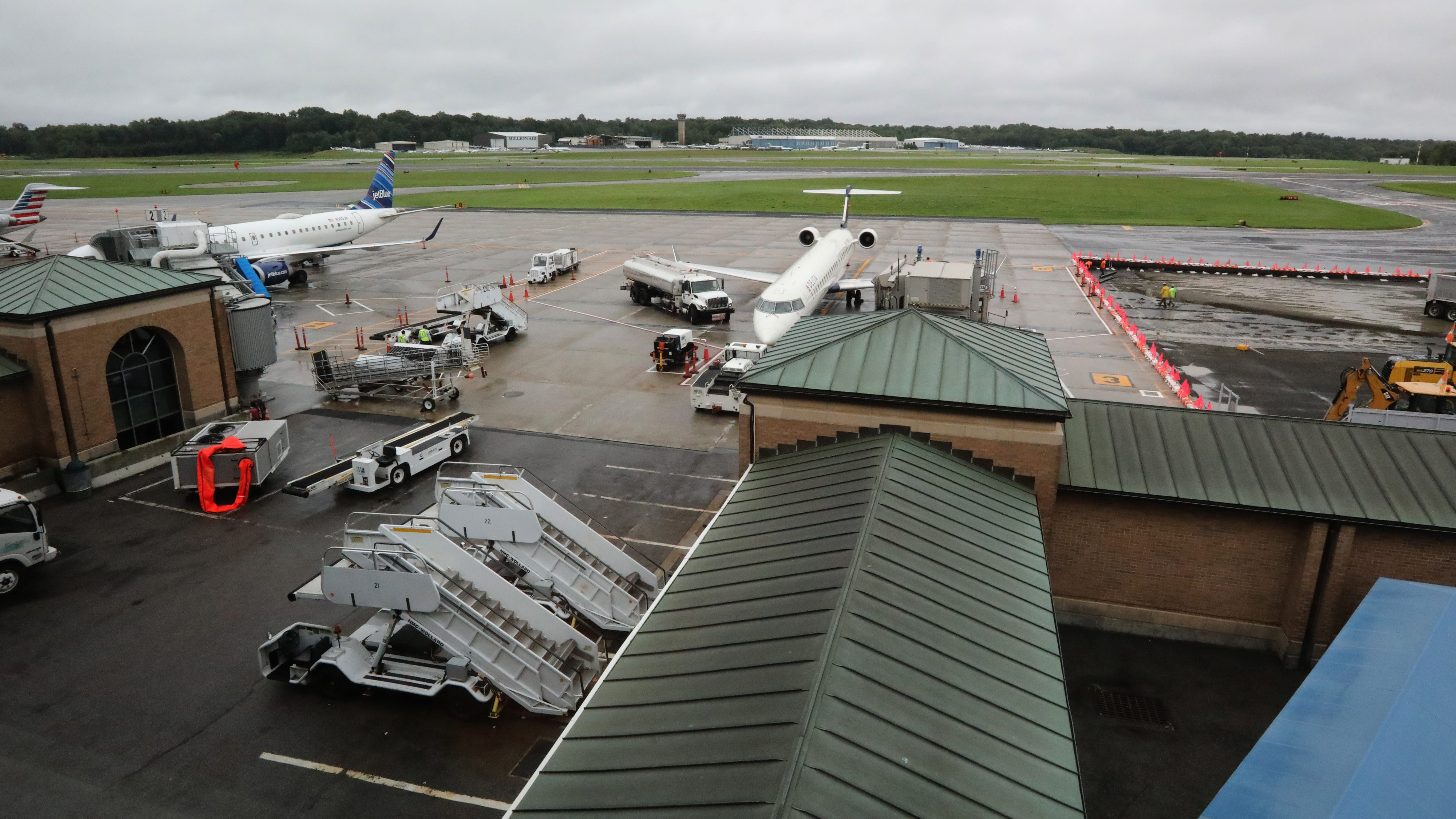 Westchester airport privatization plan on hold, much to business group's chagrin