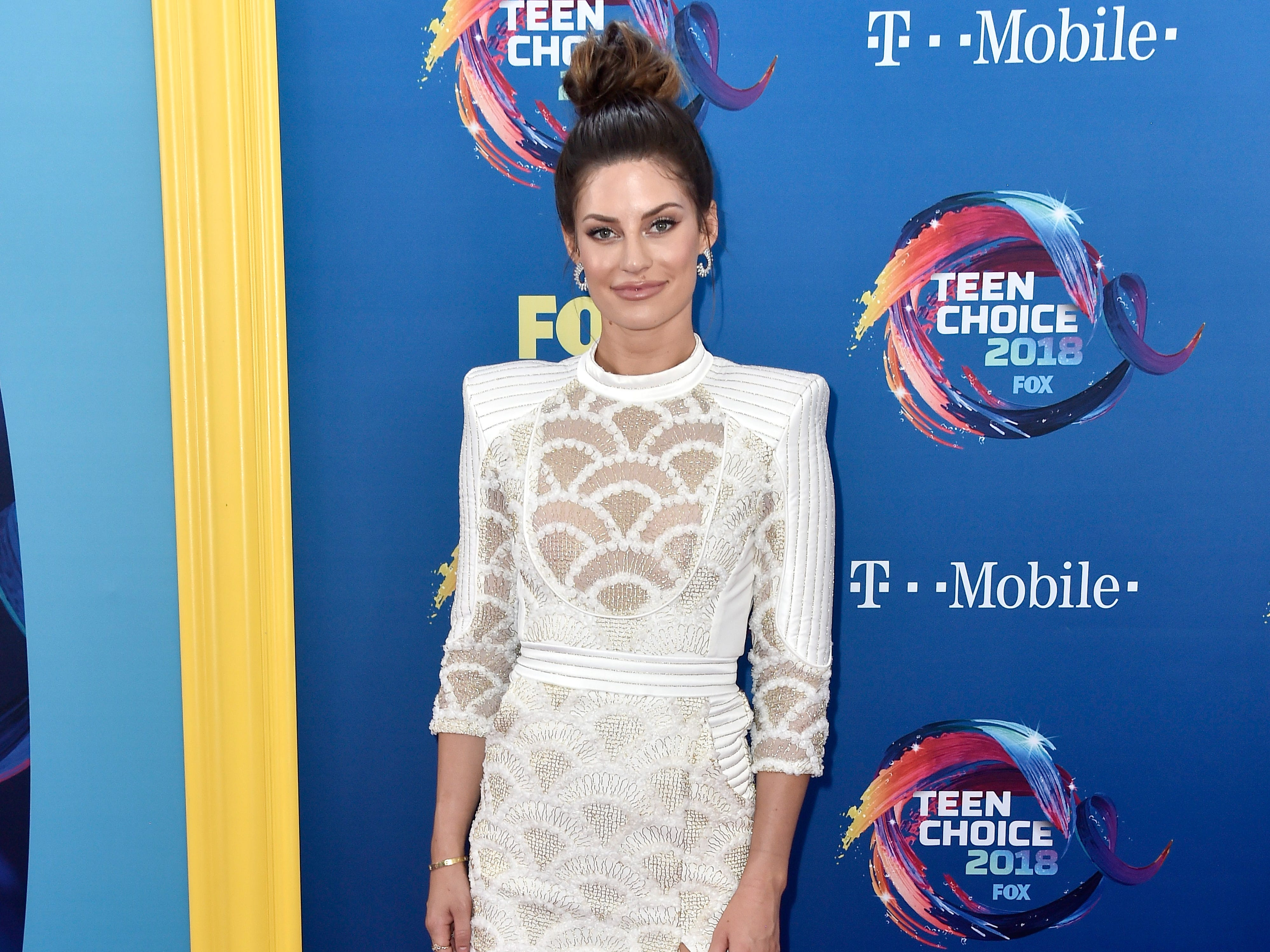 INGLEWOOD, CA - AUGUST 12:  Hannah Stocking attends FOX's Teen Choice Awards at The Forum on August 12, 2018 in Inglewood, California.  (Photo by Frazer Harrison/Getty Images) ORG XMIT: 775199256 ORIG FILE ID: 1015807386
