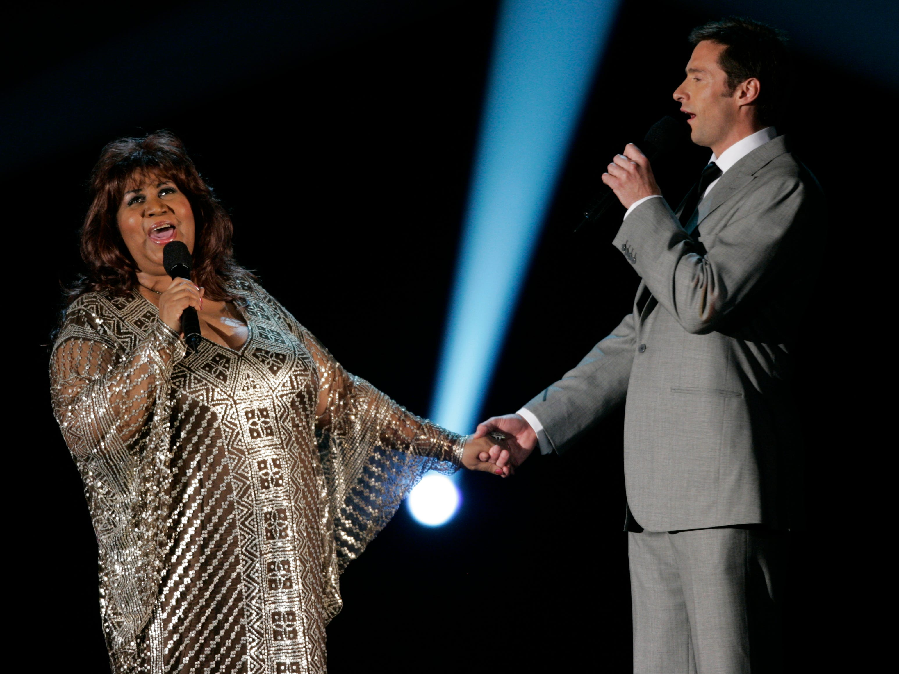 6/5/2005 -- New York, NY -- Aretha Franklin performs with host Hugh Jackman at the 59th annual Tony Awards at Radio City Music Hall. --  Photo by Robert Deutsch, USA TODAY staff (Via MerlinFTP Drop)