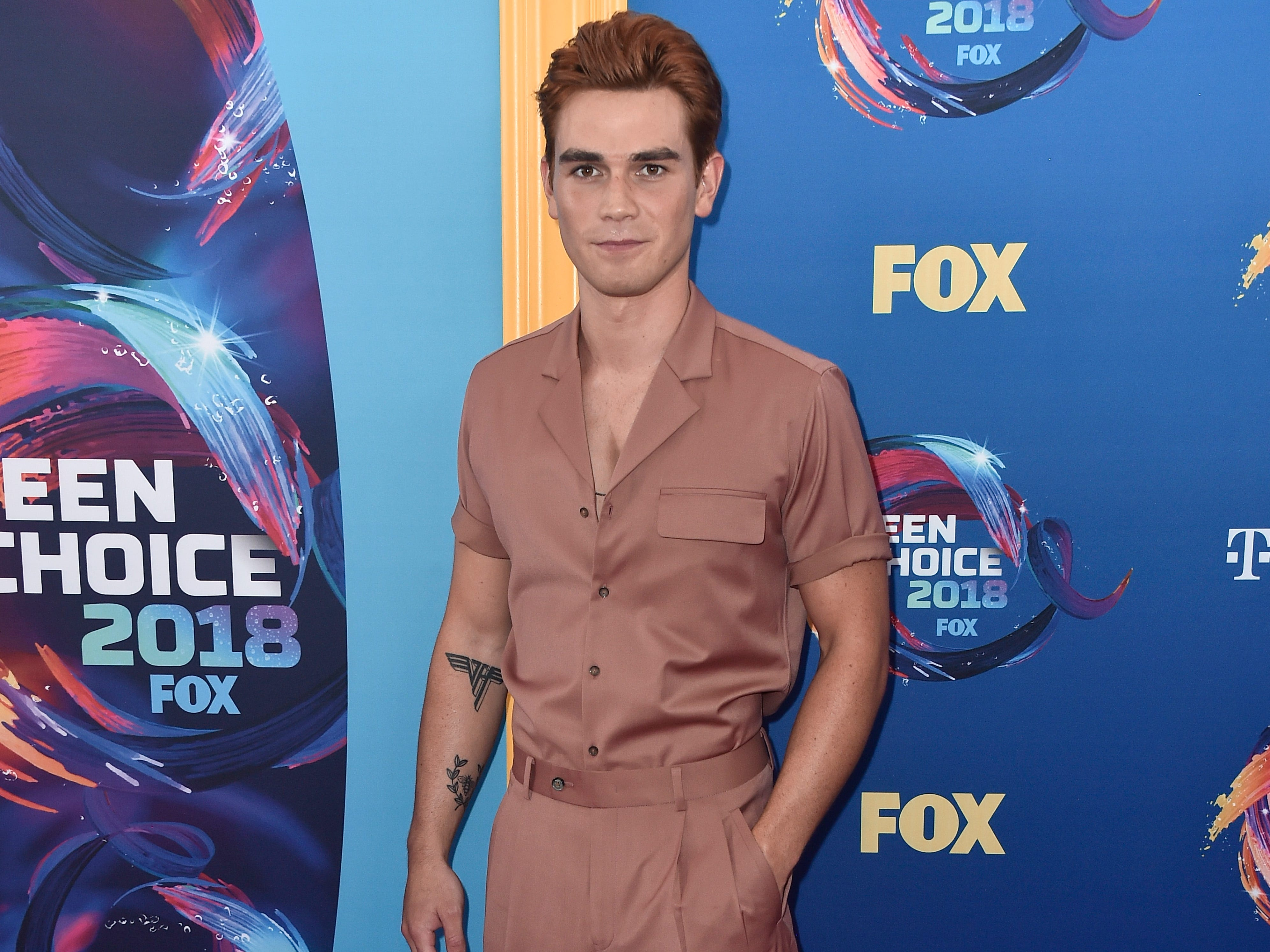 INGLEWOOD, CA - AUGUST 12:  KJ Apa attends FOX's Teen Choice Awards at The Forum on August 12, 2018 in Inglewood, California.  (Photo by Frazer Harrison/Getty Images) ORG XMIT: 775199256 ORIG FILE ID: 1015797828