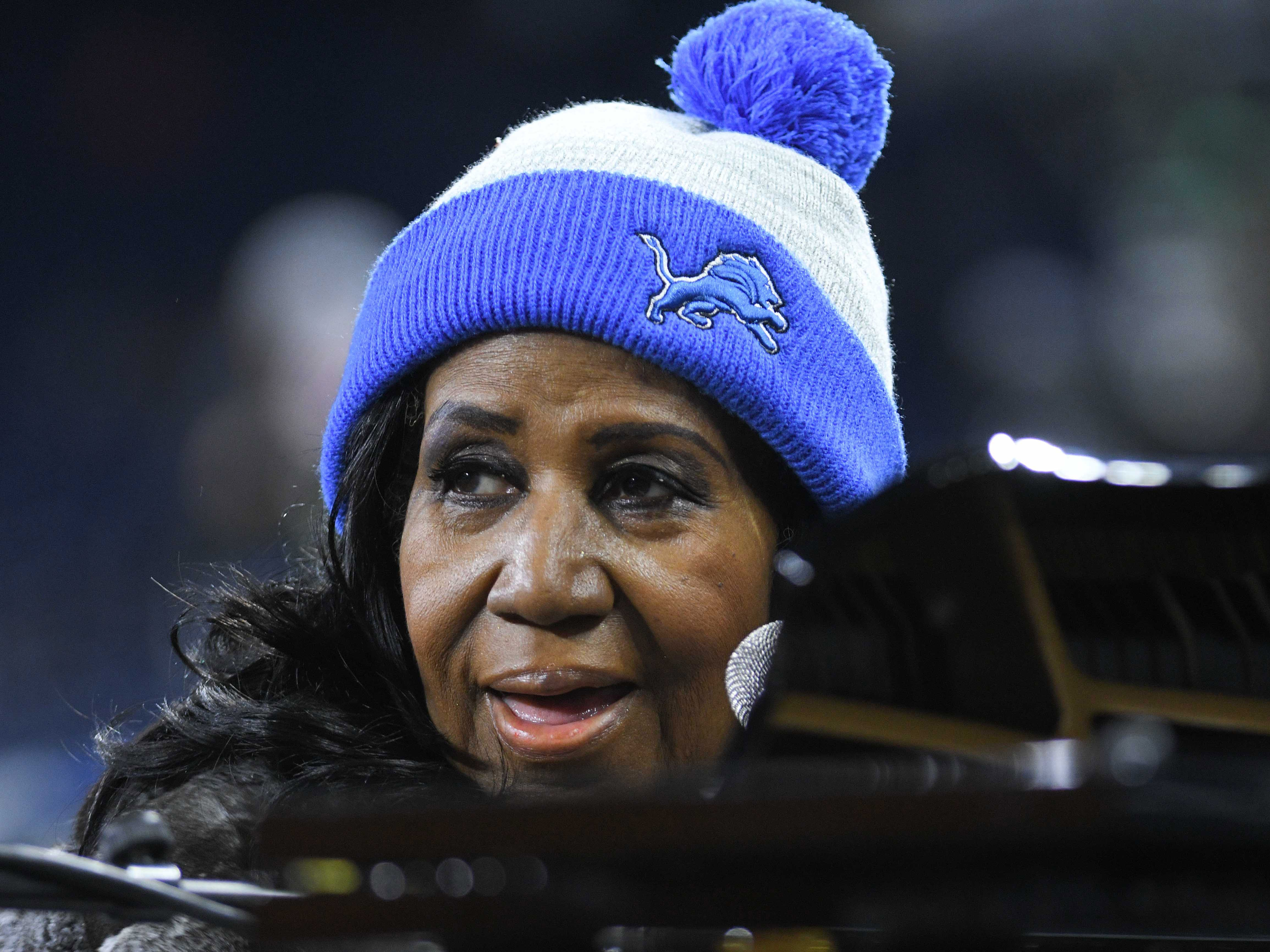 Nov 24, 2016; Detroit, MI, USA; Recording artist Aretha Franklin before the game between the Detroit Lions and the Minnesota Vikings on Thanksgiving at Ford Field. Mandatory Credit: Tim Fuller-USA TODAY Sports ORG XMIT: USATSI-268546 ORIG FILE ID:  20161124_gma_af2_011.jpg