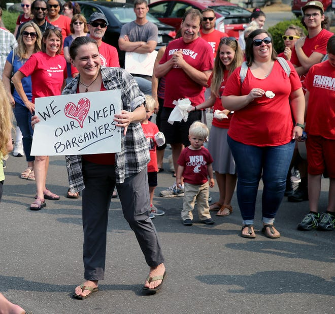 Teachers in CKSD and NKSD rally as districts negotiate salary increases resulting from the McCleary decision. Bainbridge, with a 21 percent increase, got one of the highest salary bumps in the state. South Kitsap has reached a tentative agreement and negotiations are wrapping up in CK and NK. Bremerton will wrap up by the end of the month.