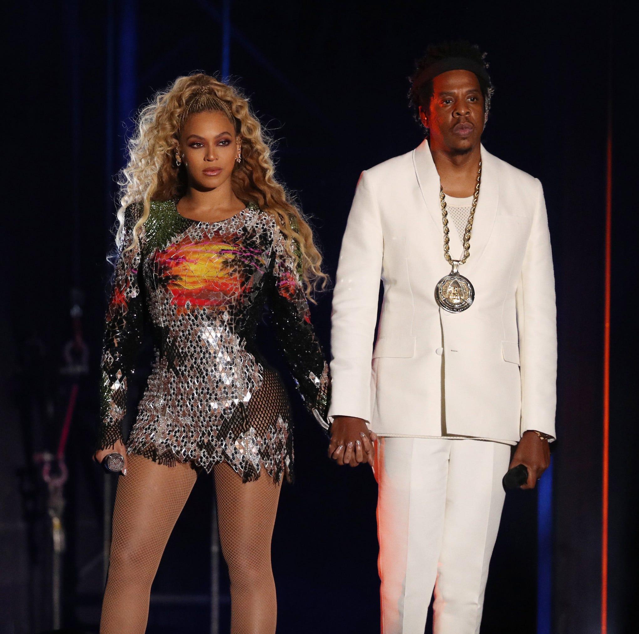 Beyoncé dedicates Detroit concert to ailing Aretha Franklin