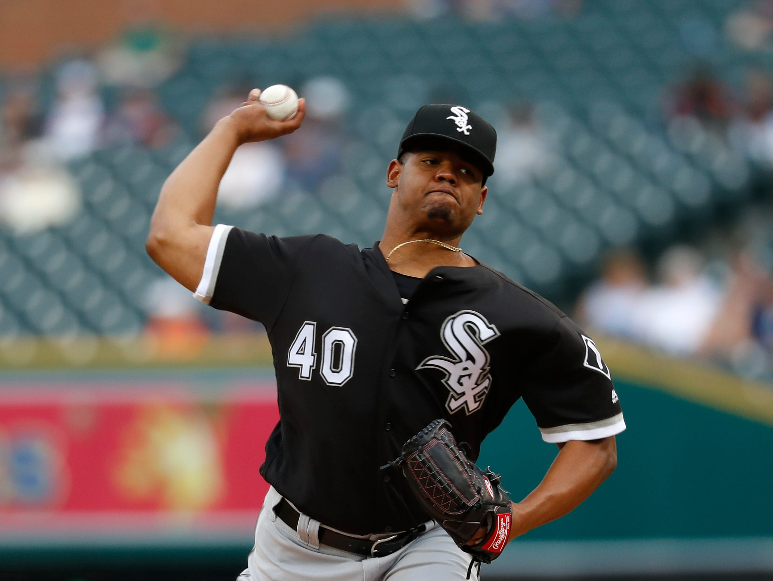 Chicago White Sox pitcher Reynaldo Lopez throws against the Detroit Tigers in the first inning.